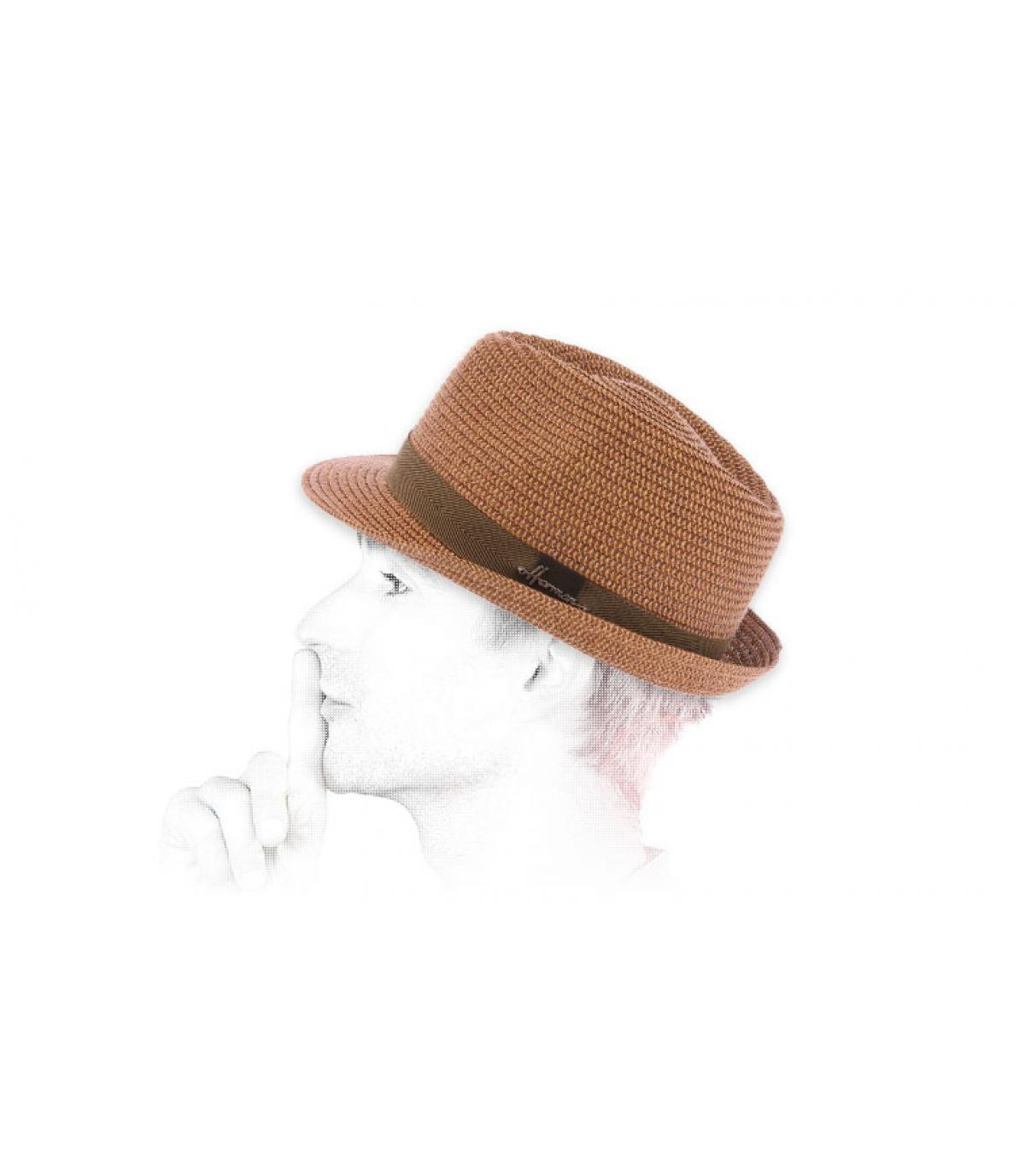 trilby paja marrón
