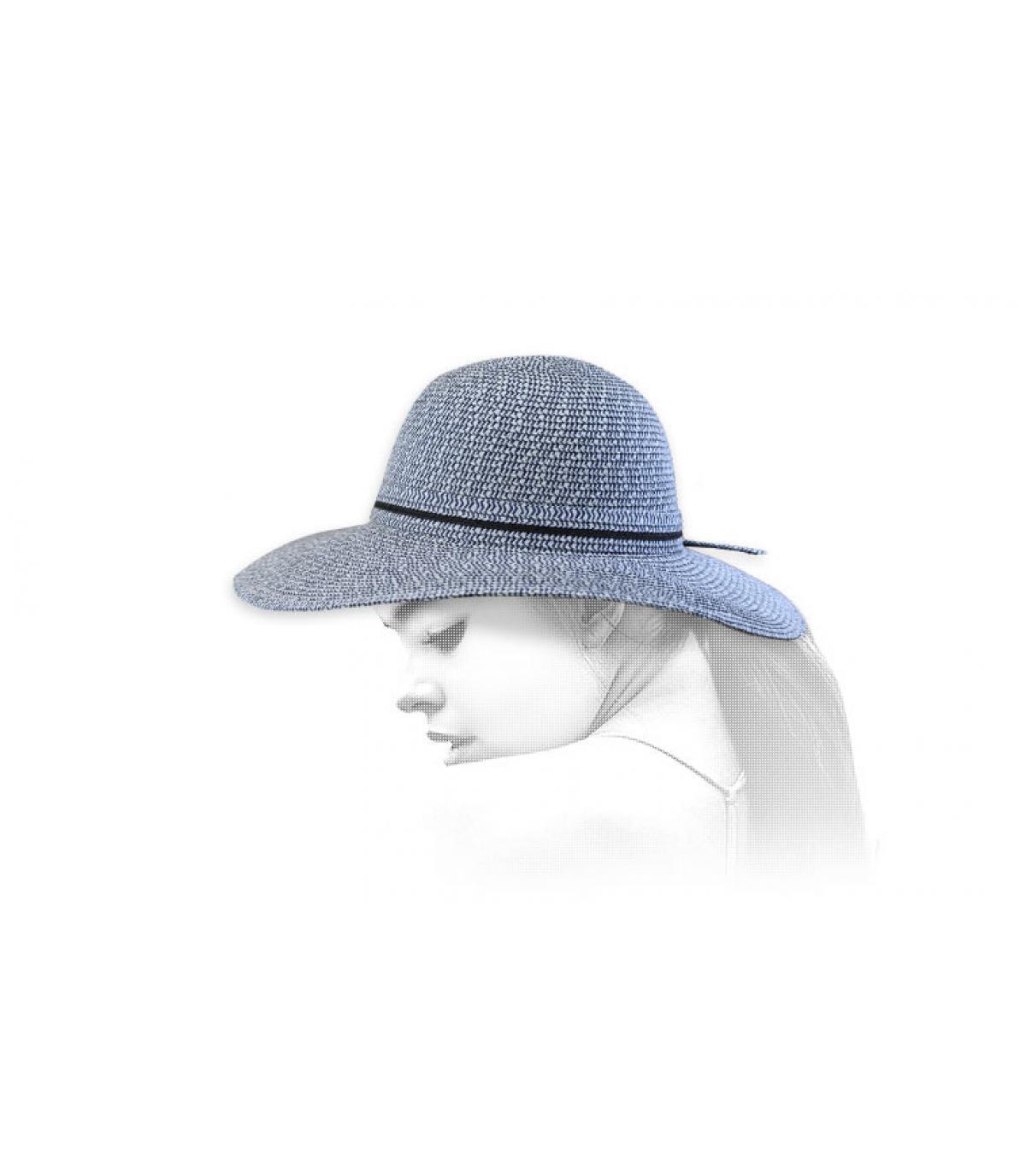 pamela paja azul
