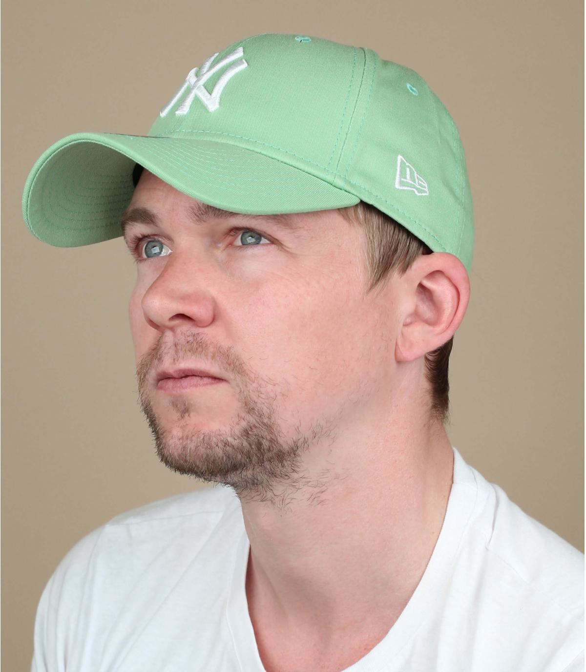 gorra NY verde blanco