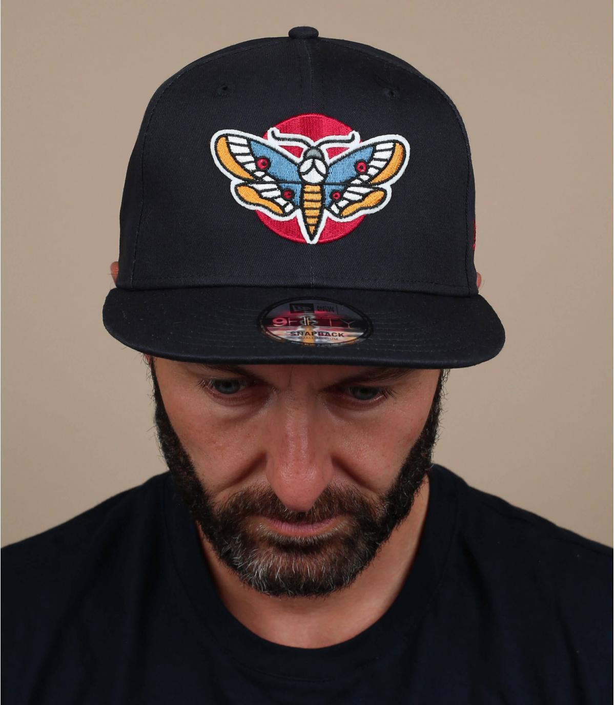 gorra mariposa negro