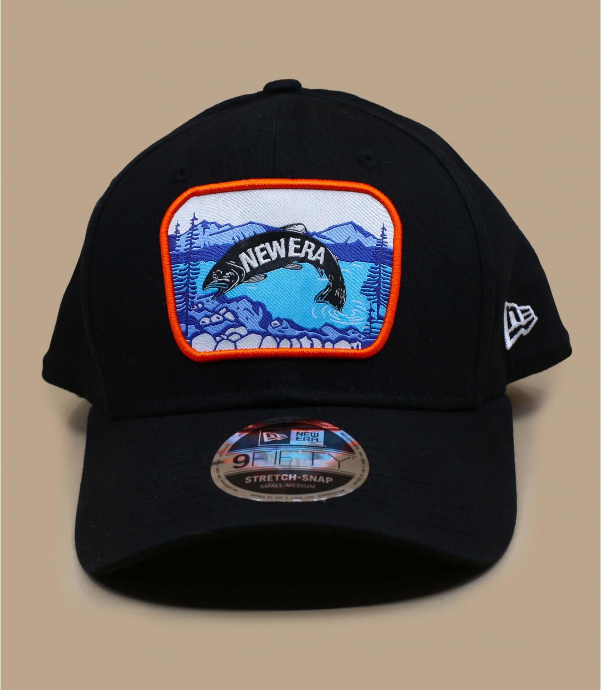 Gorra negra parche pez
