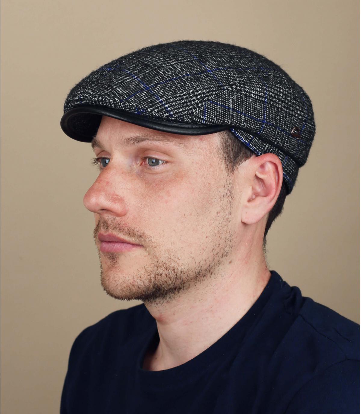 gorra azul cuadros lana