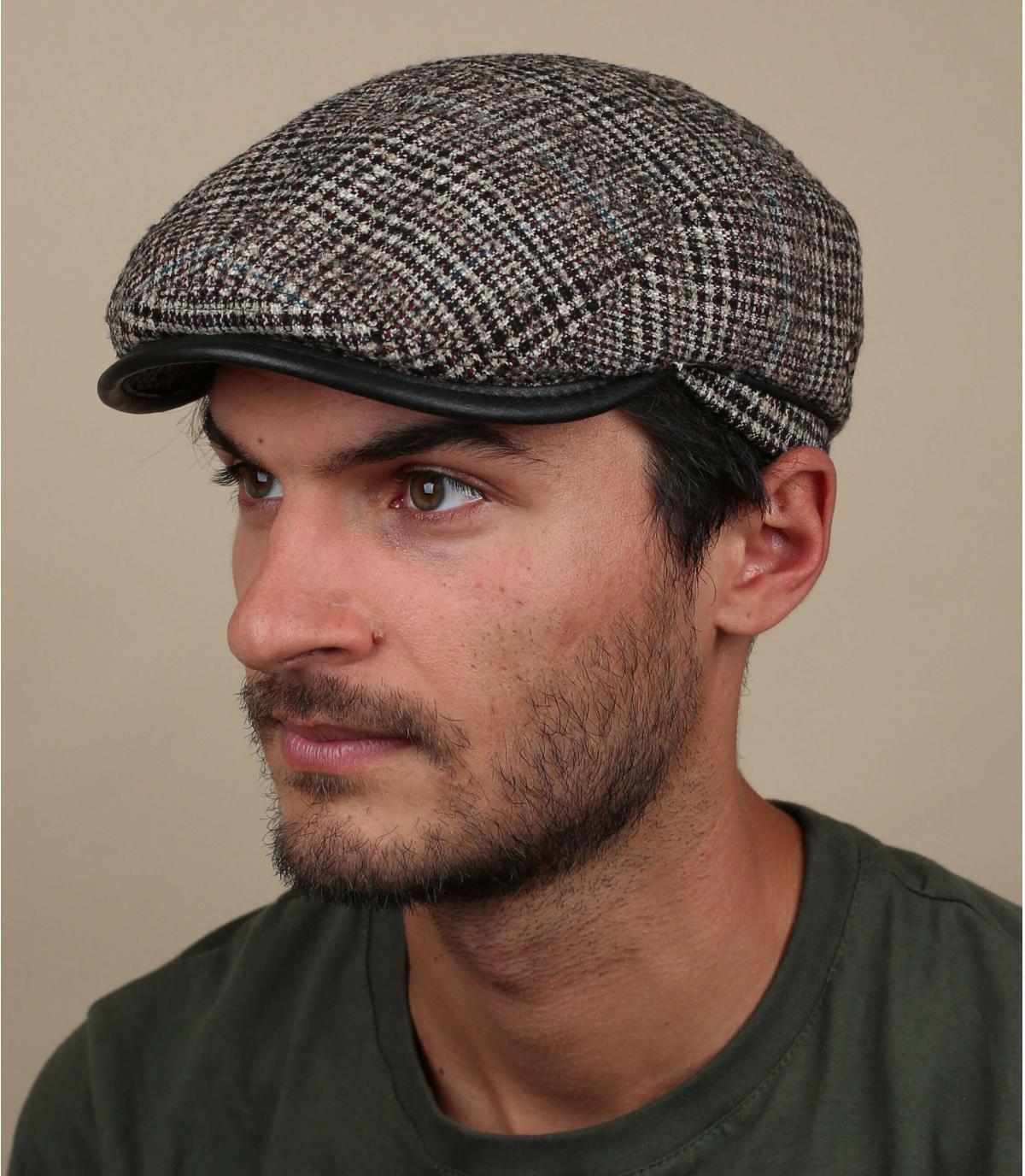 gorra beis lana cuadros