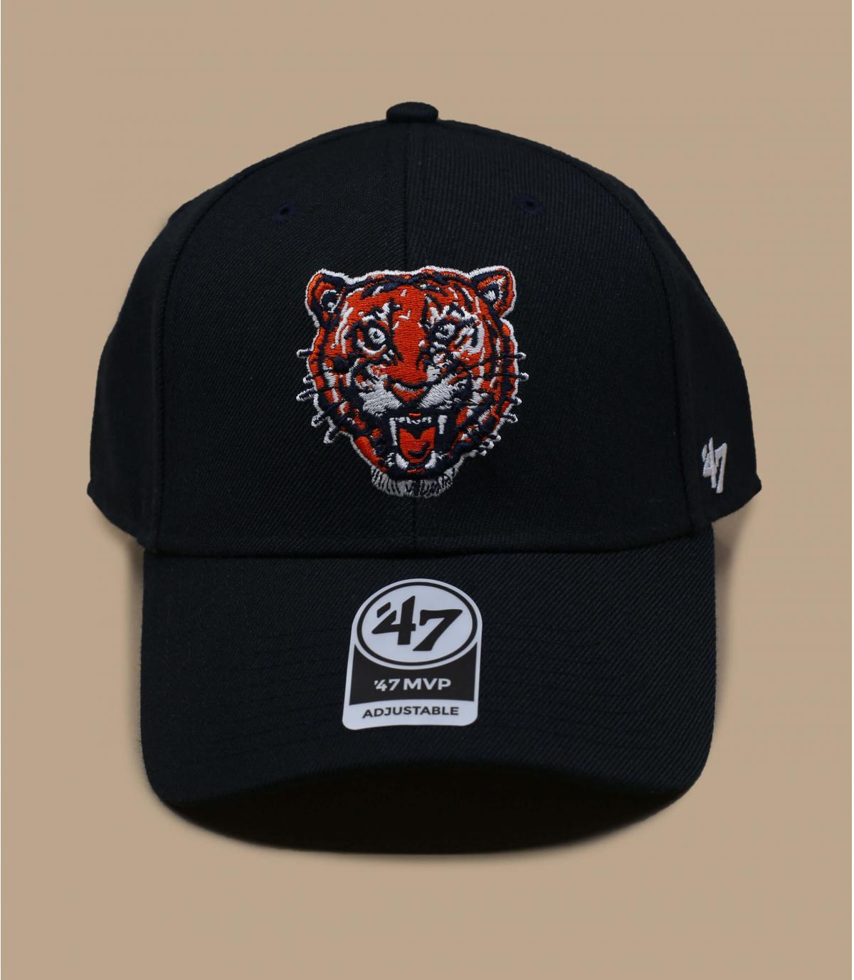 gorra negra tigre