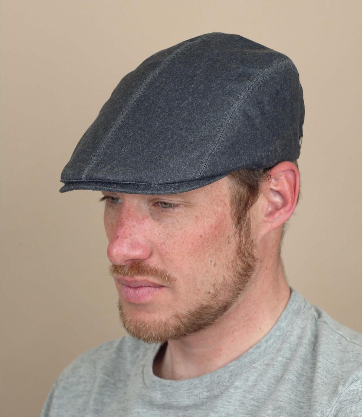 gorra gris impermeable
