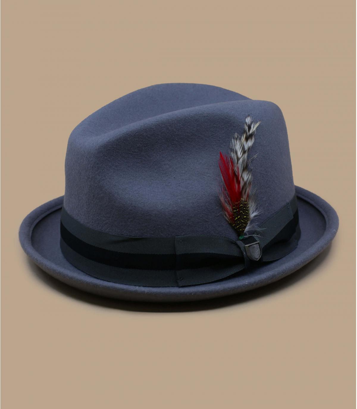 sombrero gris cinta pluma
