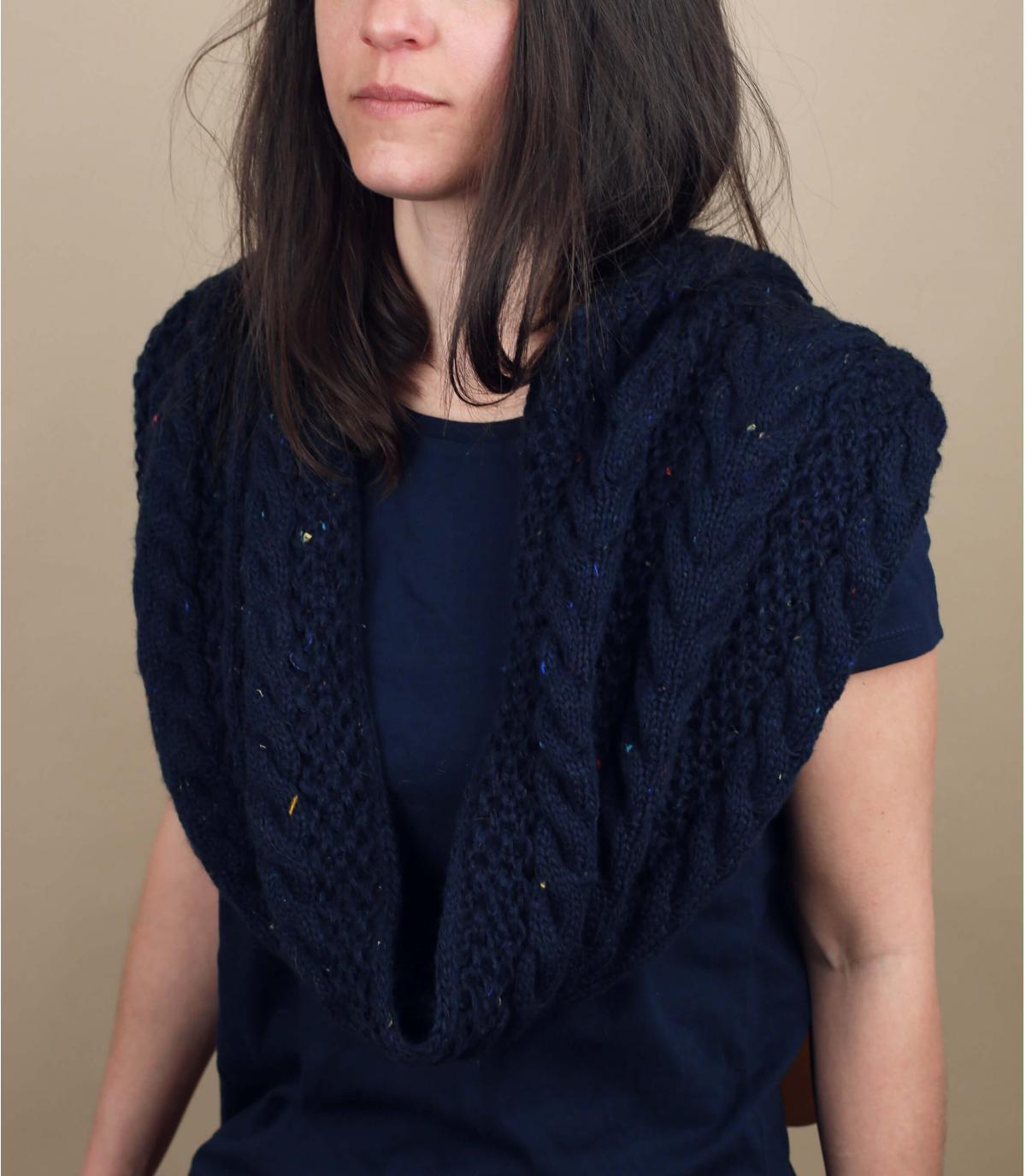 Bufanda azul trenza