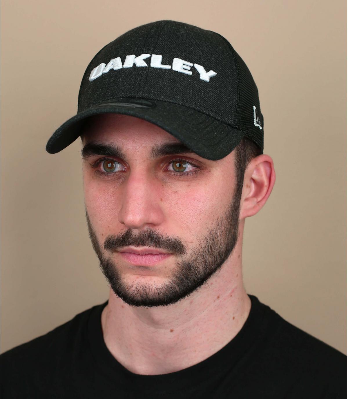 trucker Oakley negro