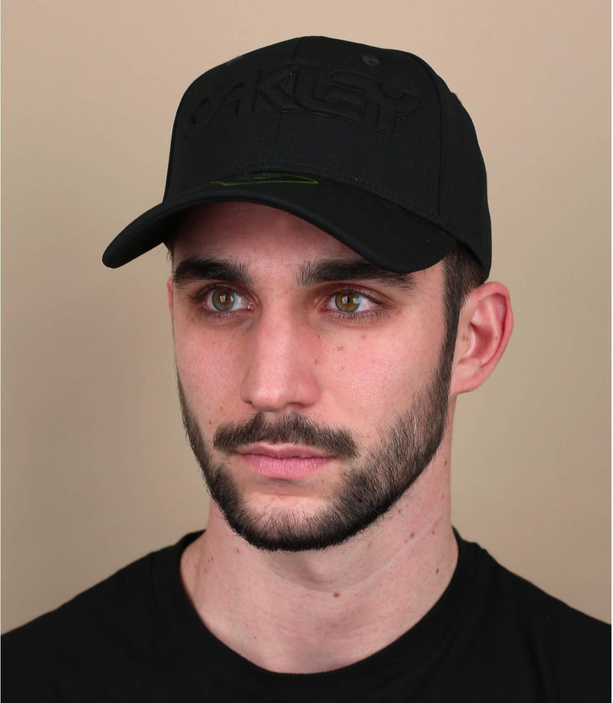 gorra Oakley negro logo