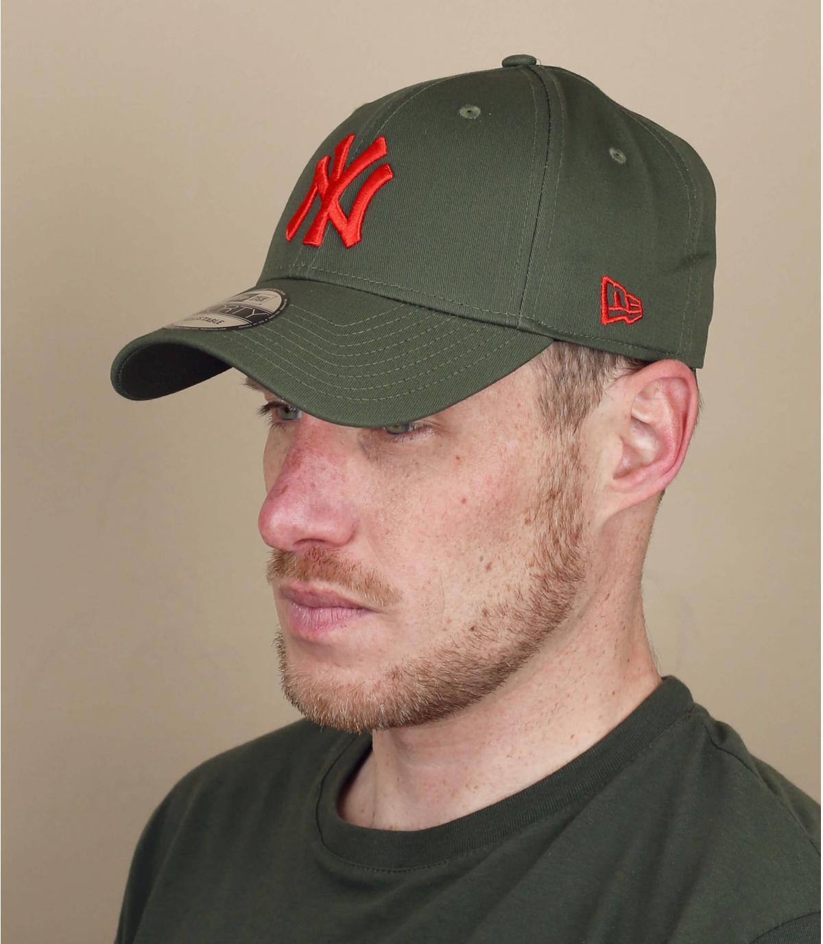 gorra NY verde rojo
