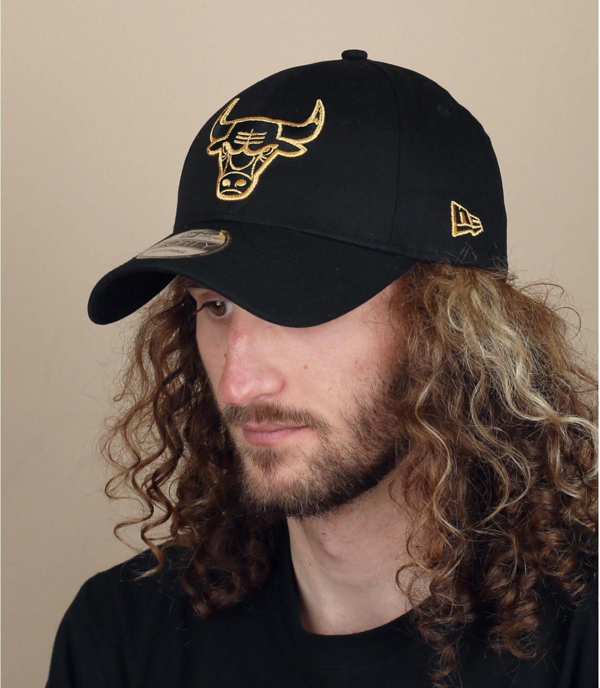 gorra Bulls negro oro