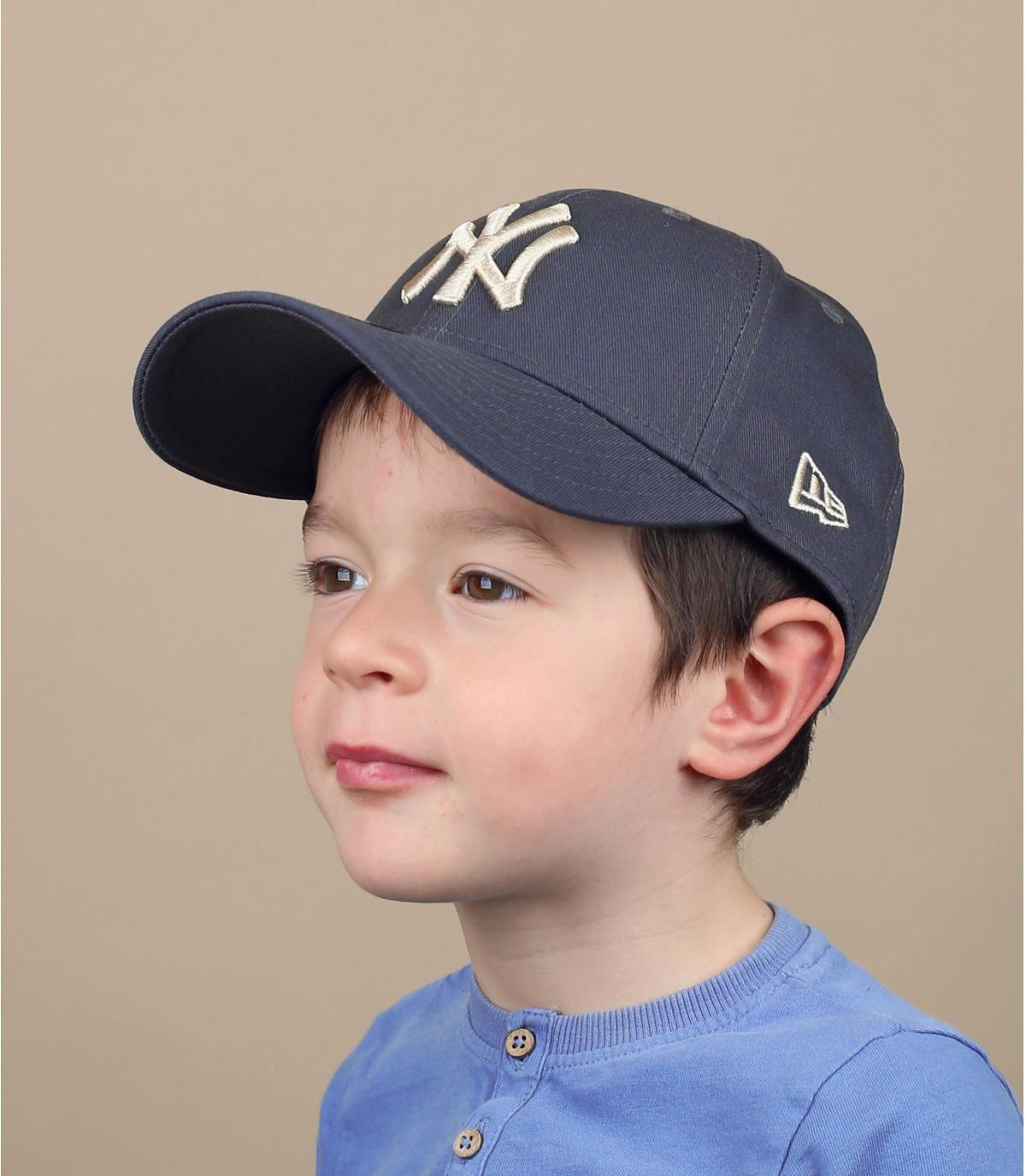gorra niño gris NY