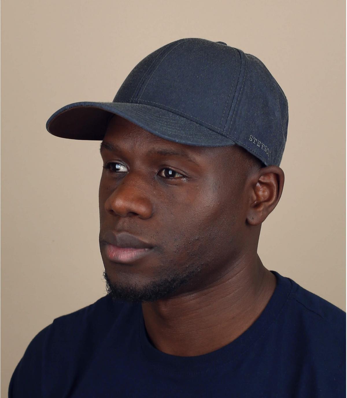 gorra gris resistente agua