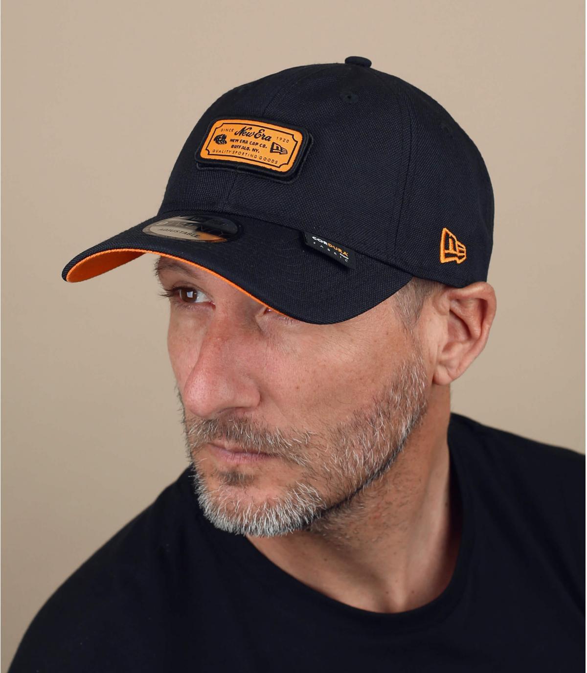 gorra New Era negro naranja