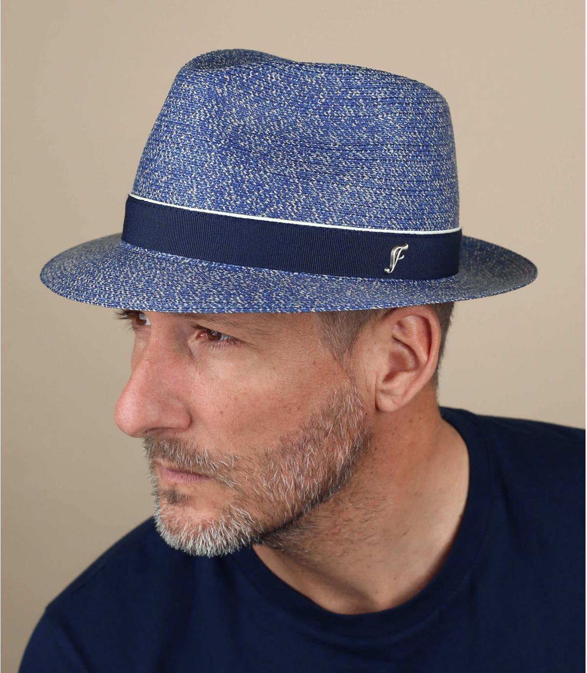sombrero azul paja