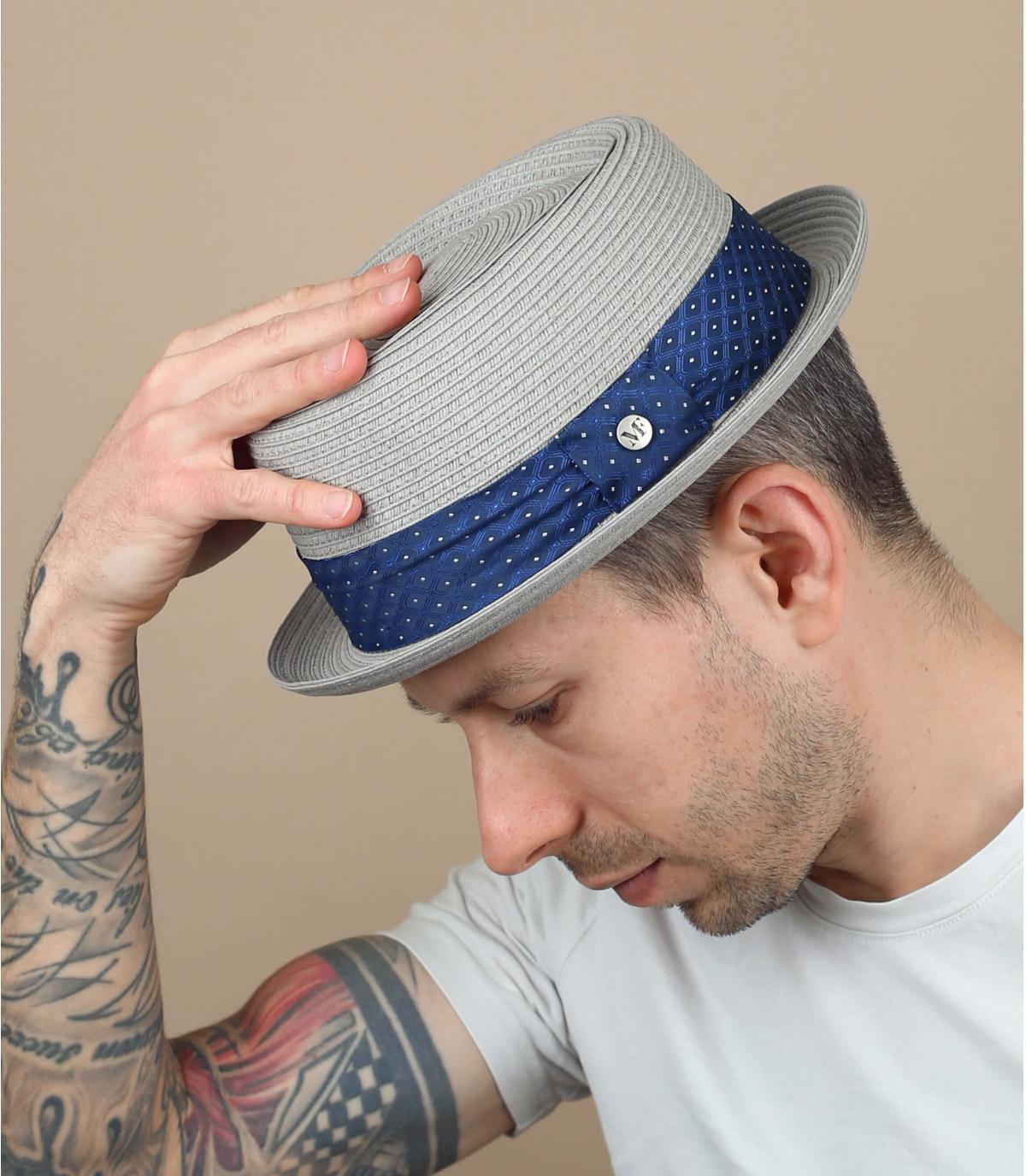 Sombrero paja gris cinta azul