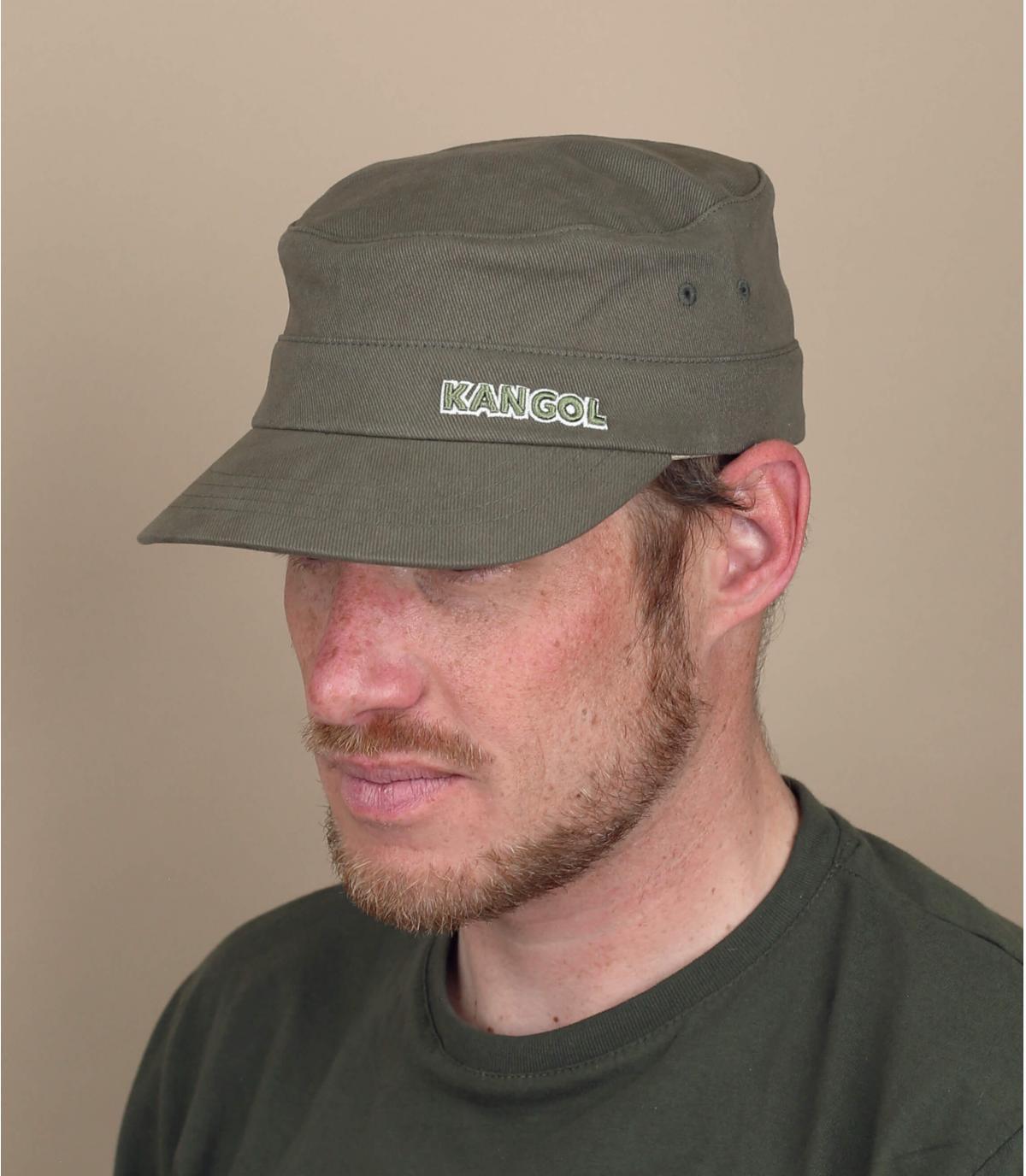 Gorra militar verde Kangol.