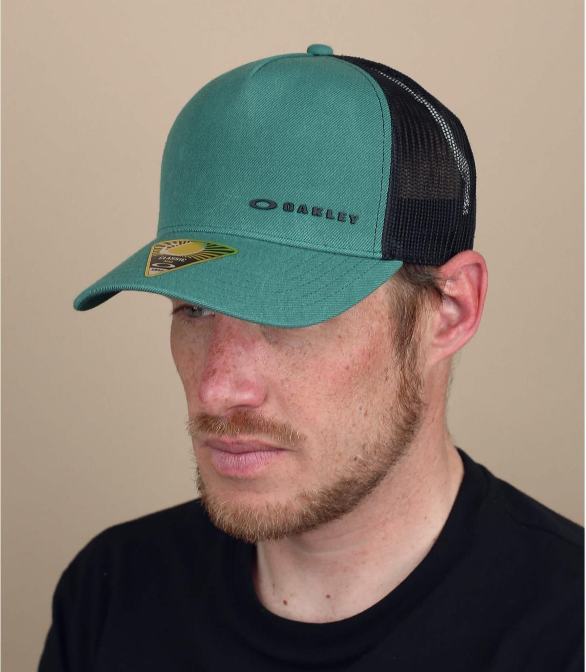 Gorra trucker Oakley verde