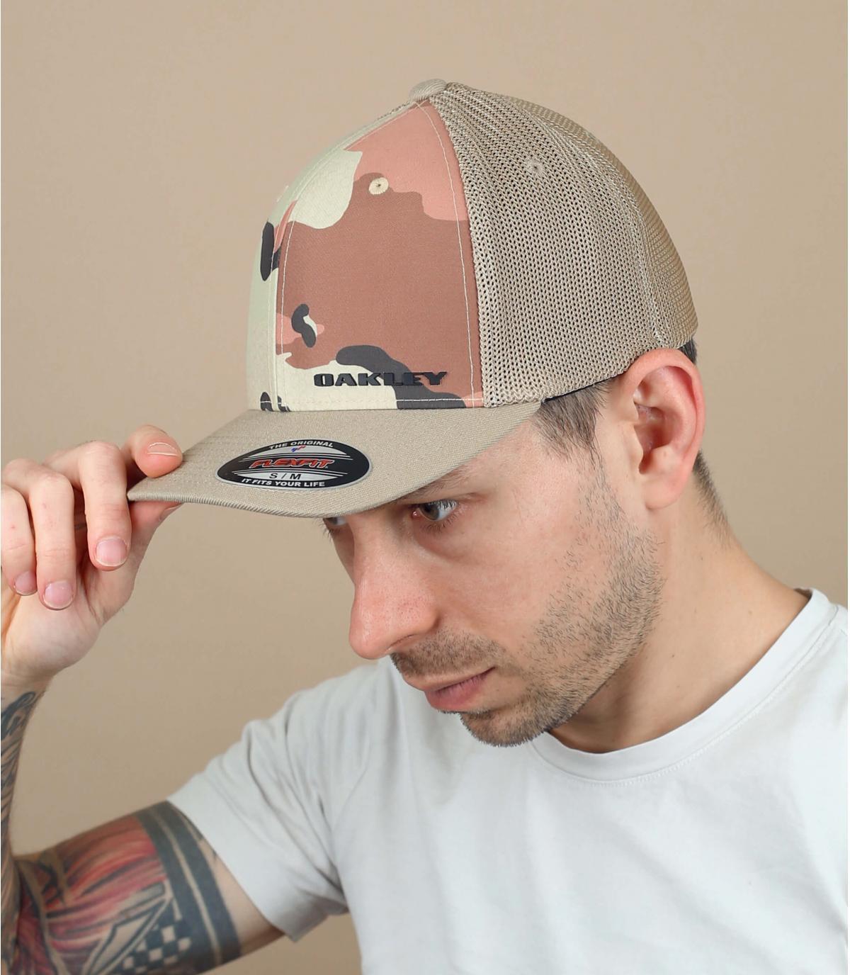 Trucker Oakley camuflaje beis