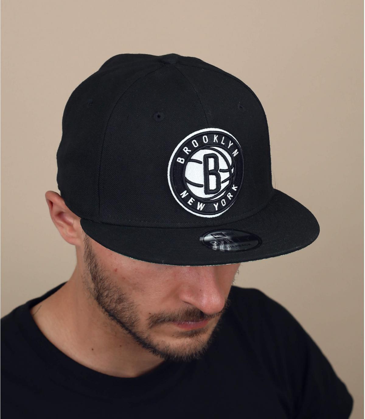 gorra Brooklyn bandana