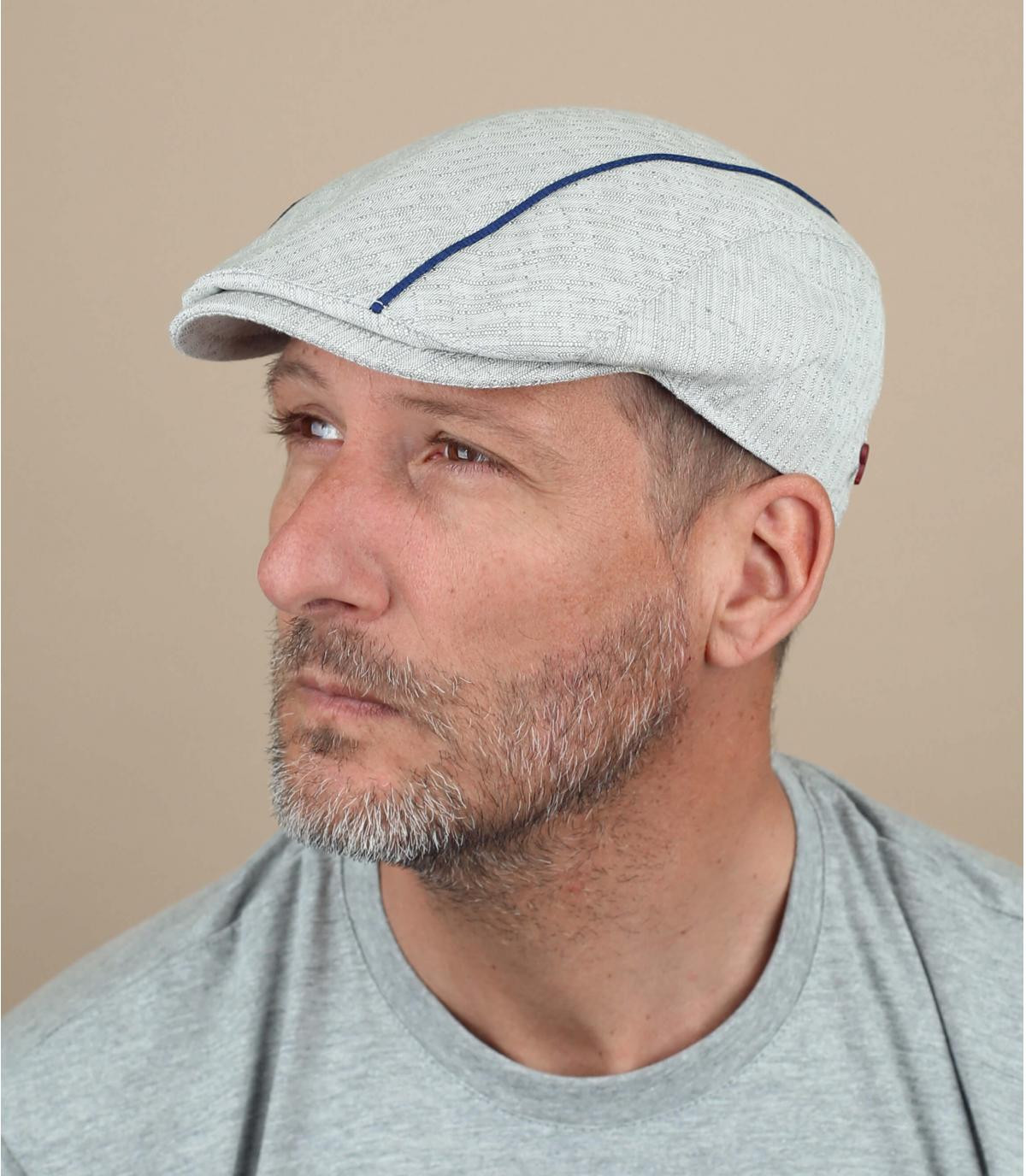 gorra gris raya