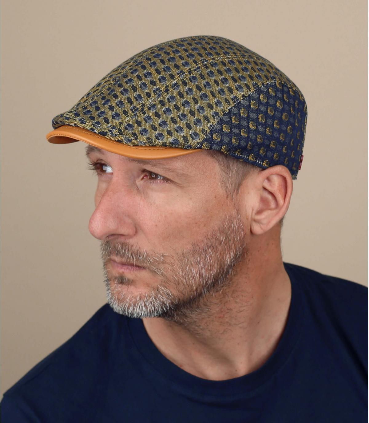 Gorra azul amarillo estampado