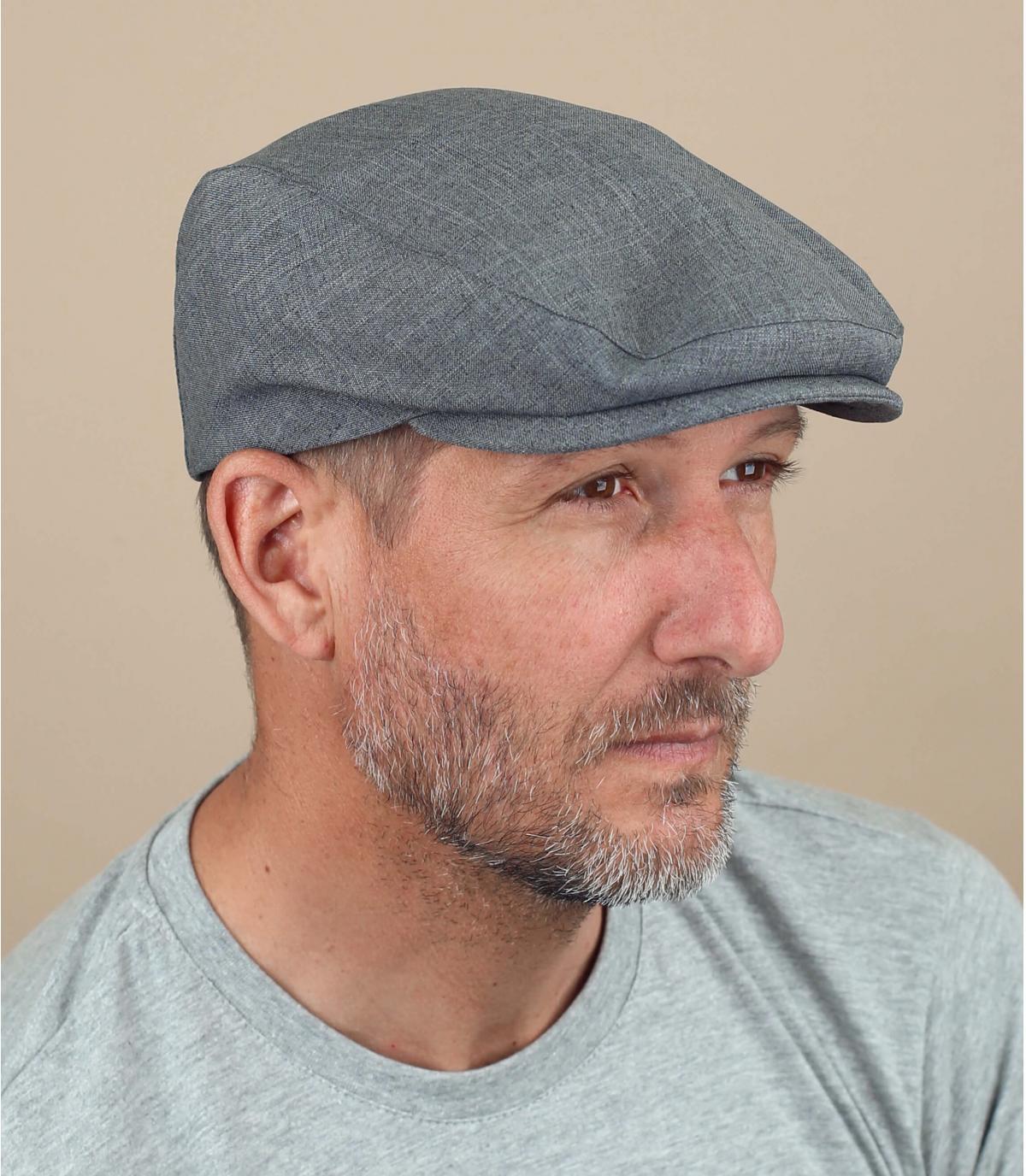 gorra gris Fiebig