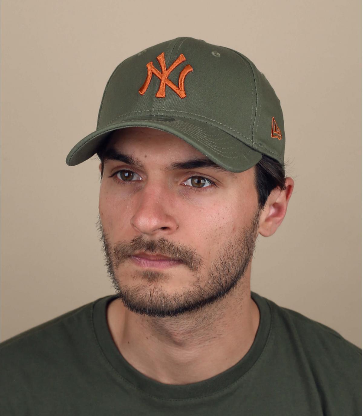 Gorra elástica NY verde naranja