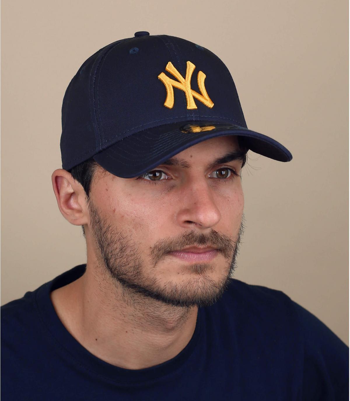 gorra NY azul dorado