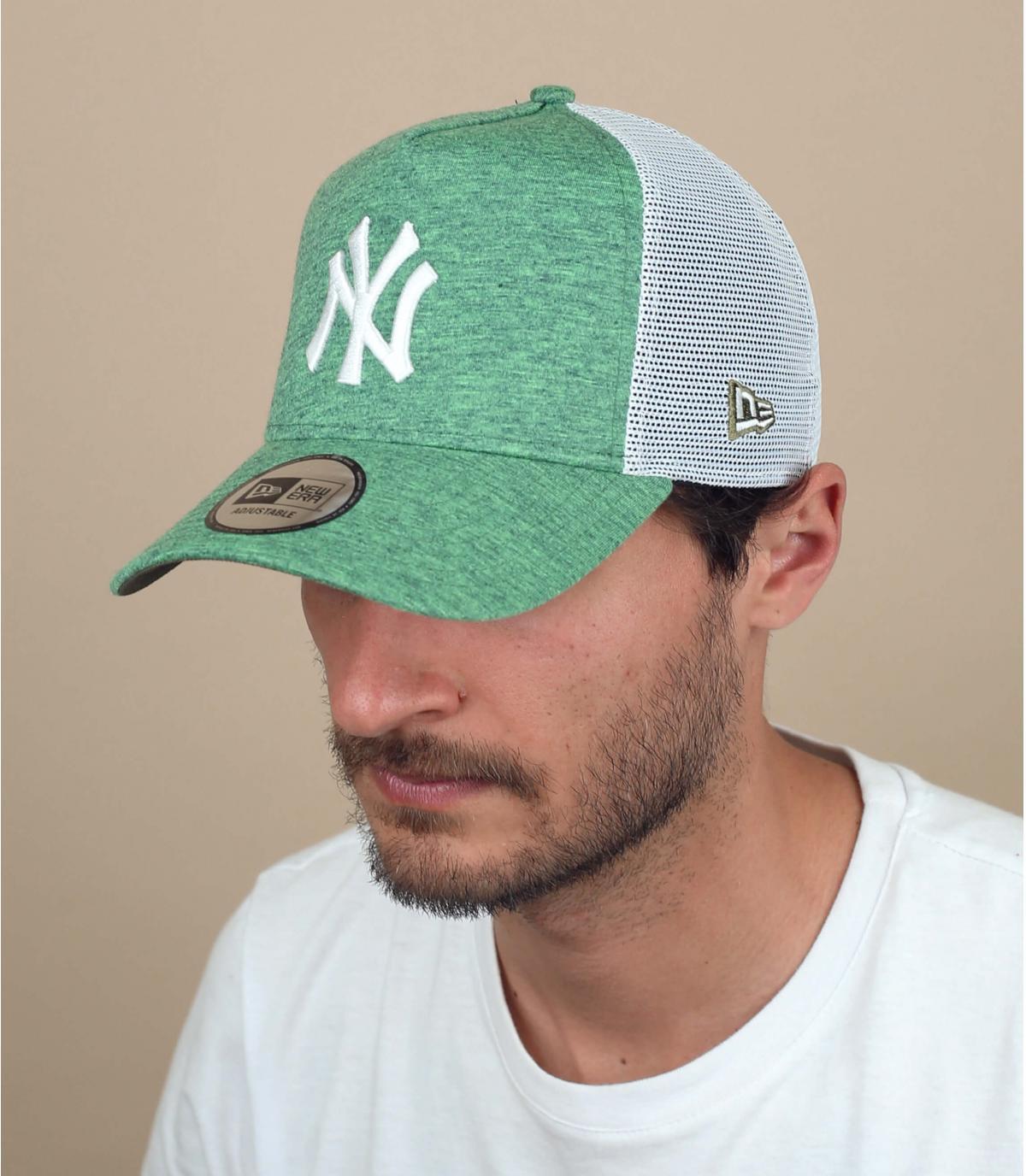 trucker NY verde