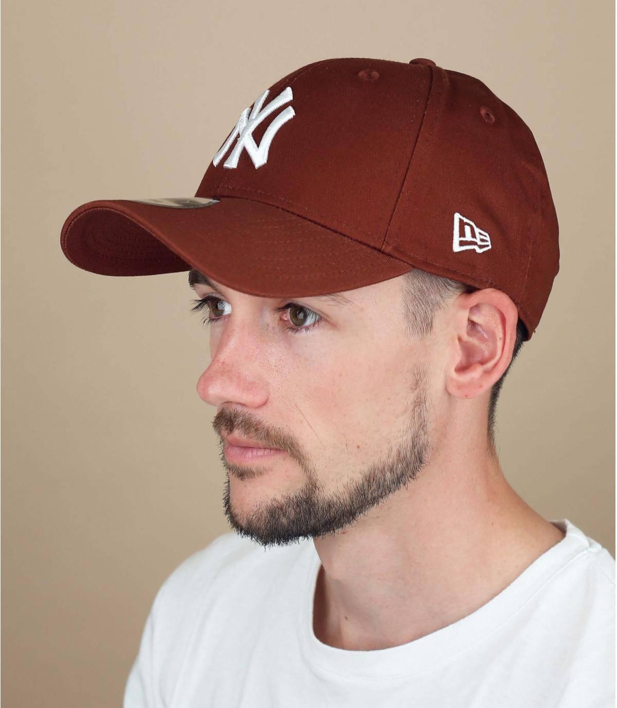 gorra NY marrón
