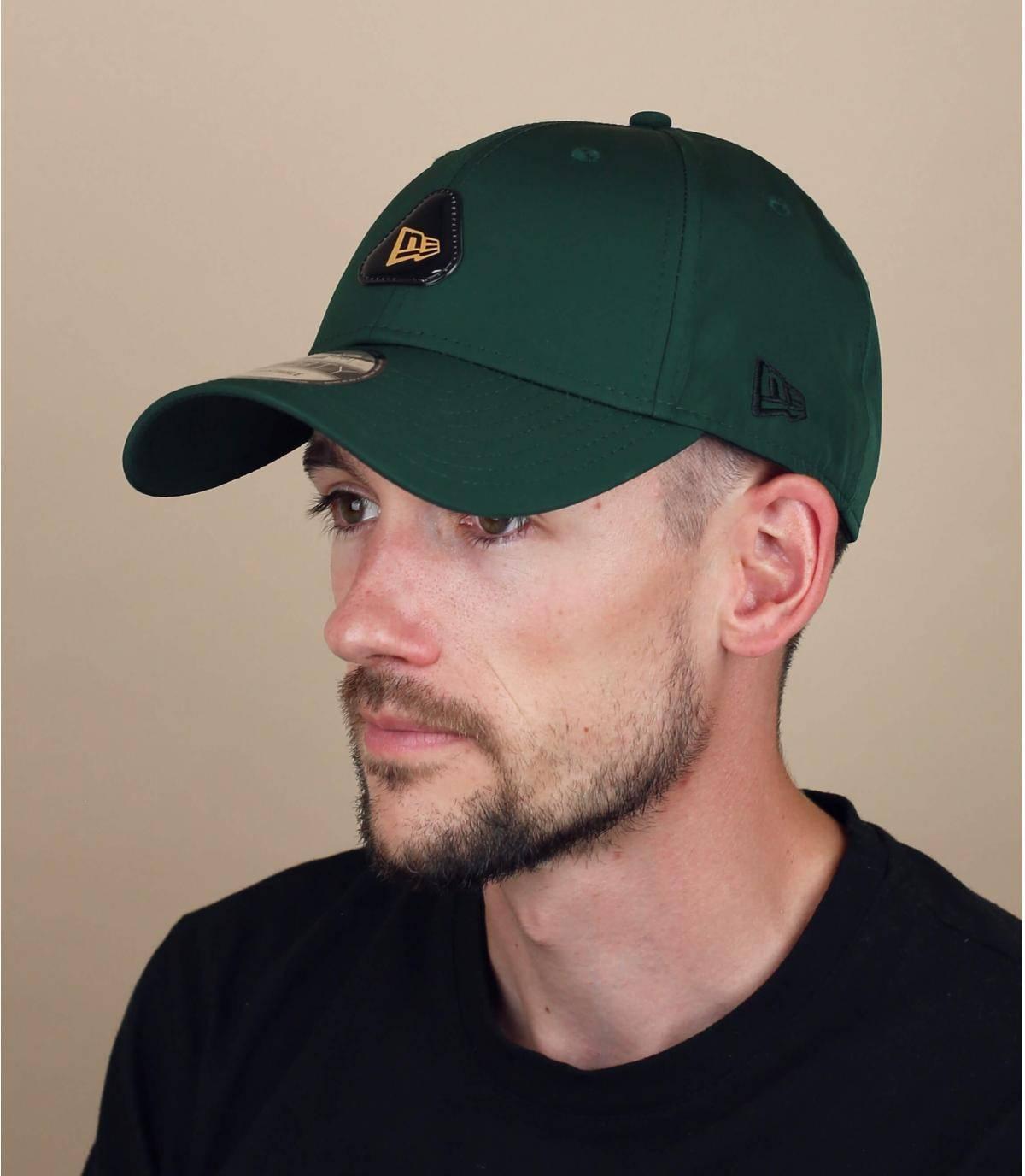 gorra New Era verde