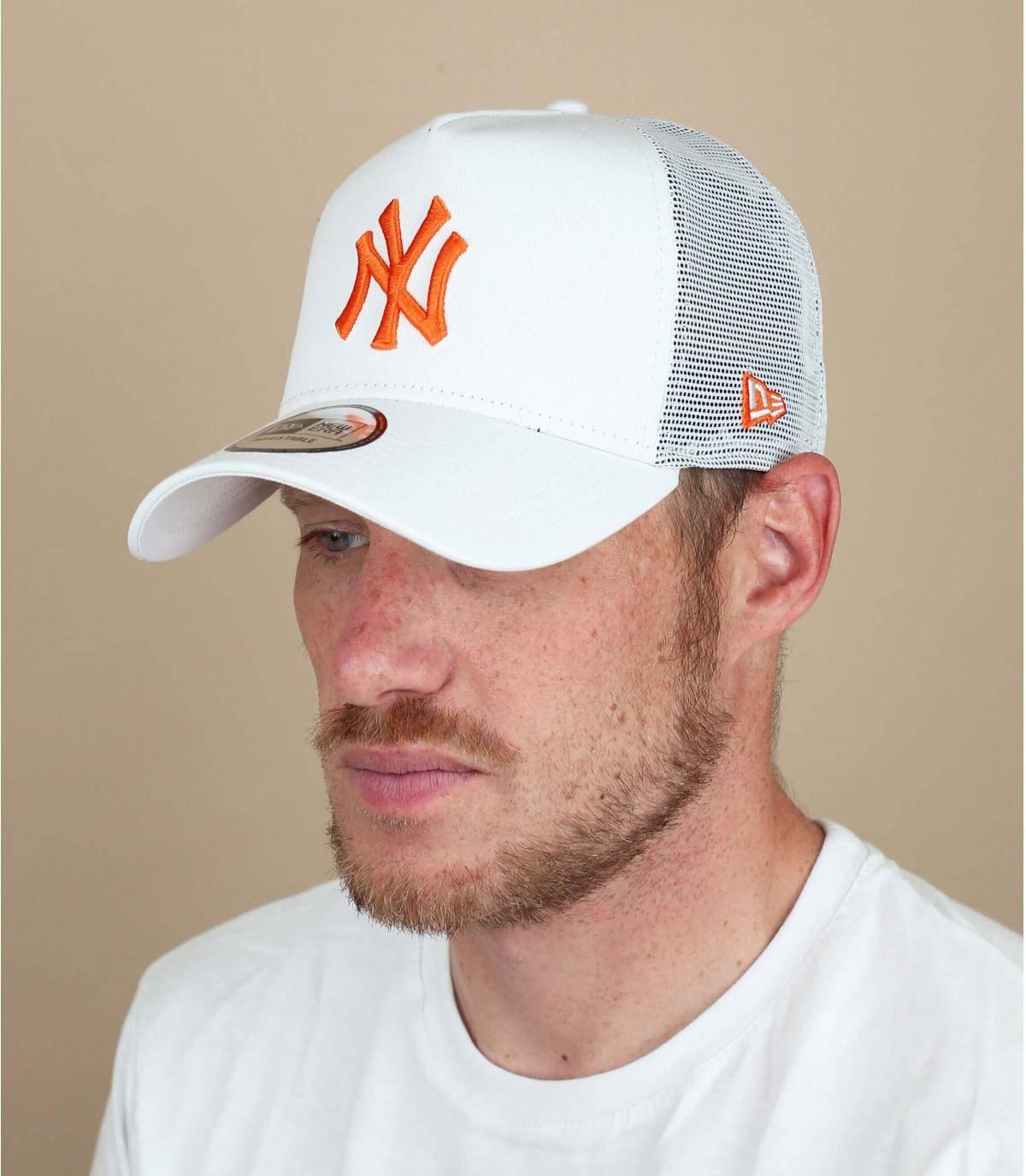trucker NY beige