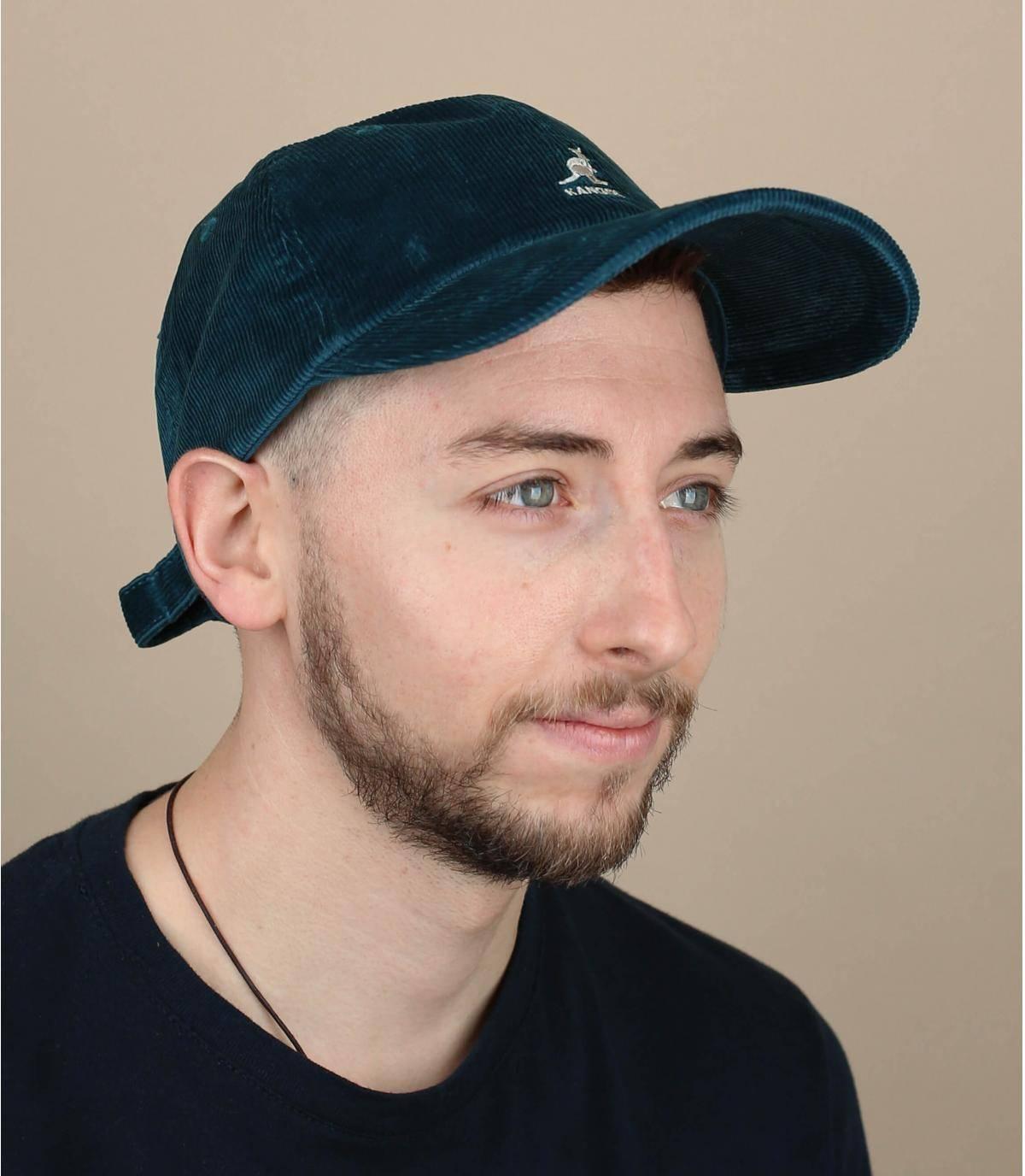 Gorra de terciopelo azul
