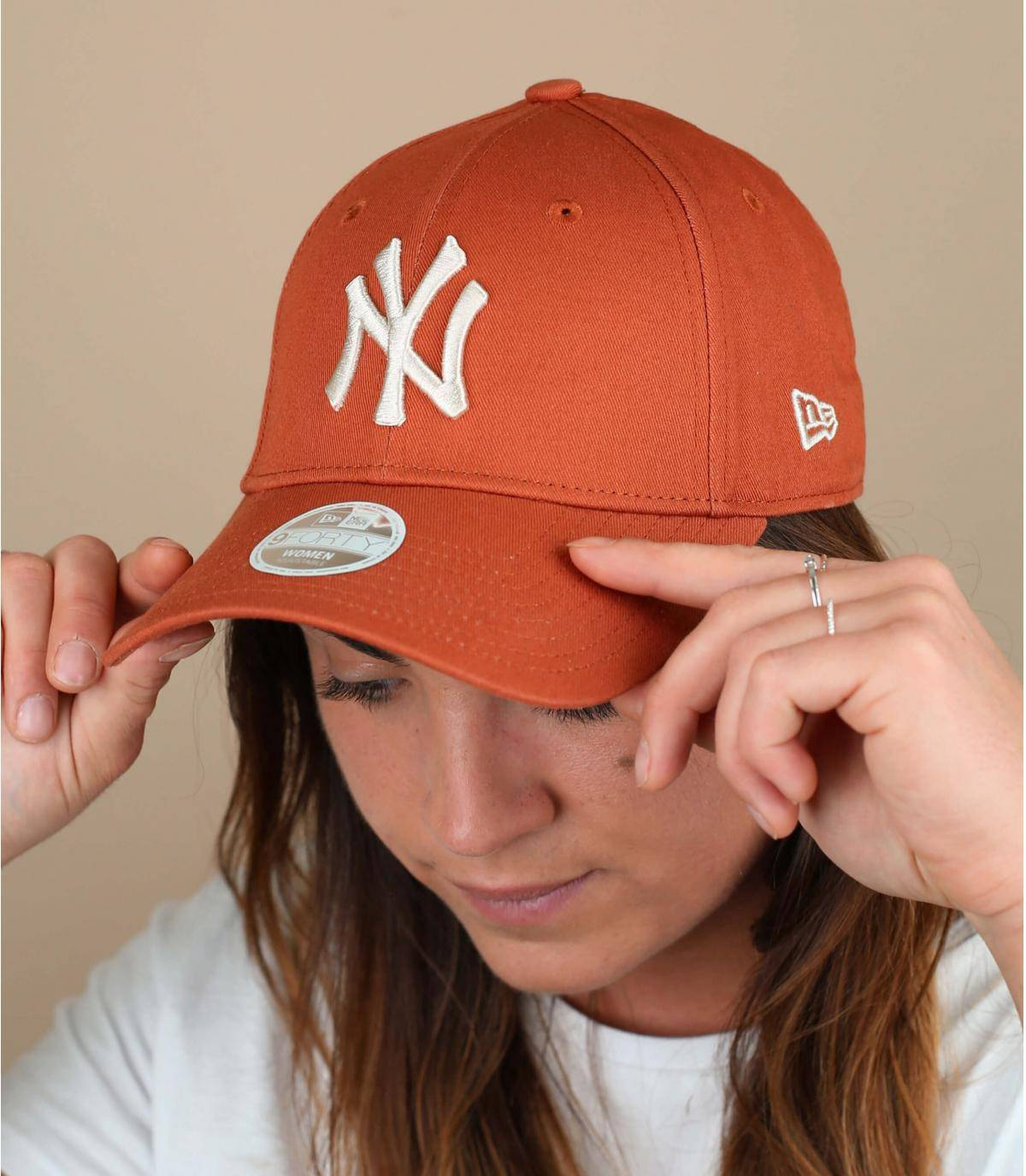 gorra mujer naranja