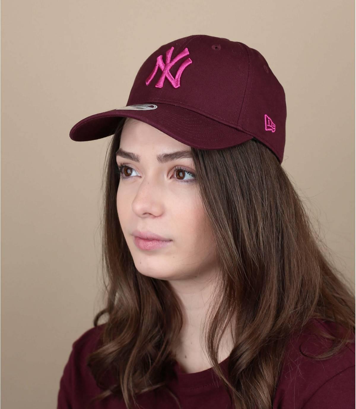 gorra mujer burdeos
