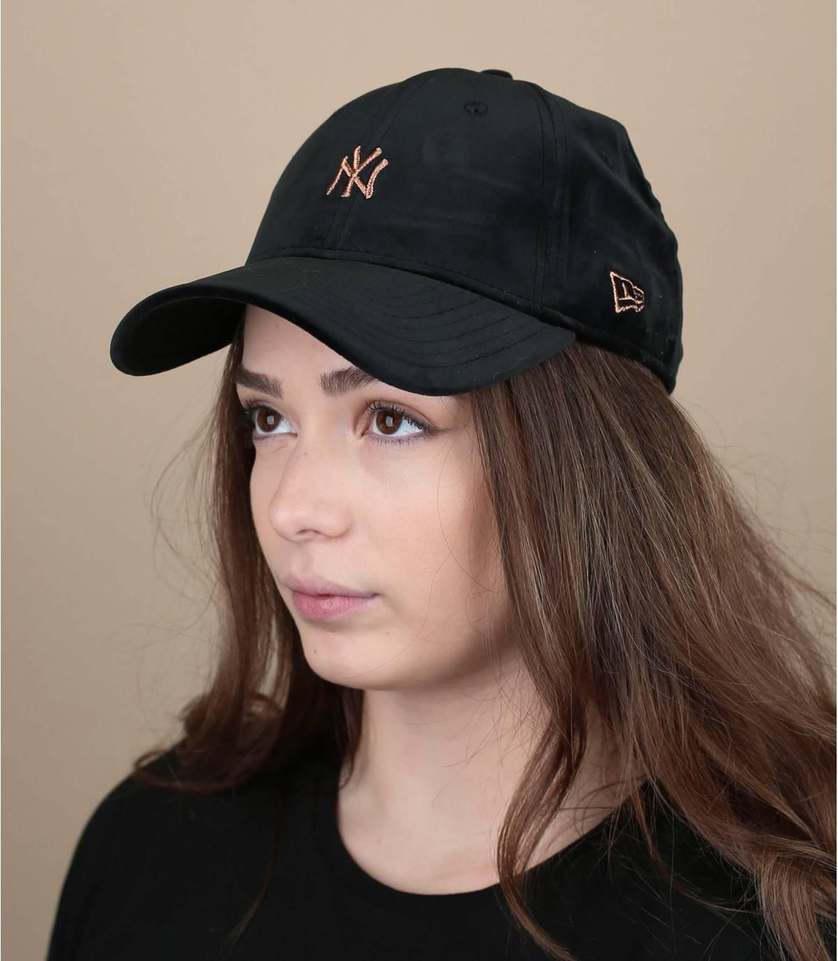gorra mujer negra