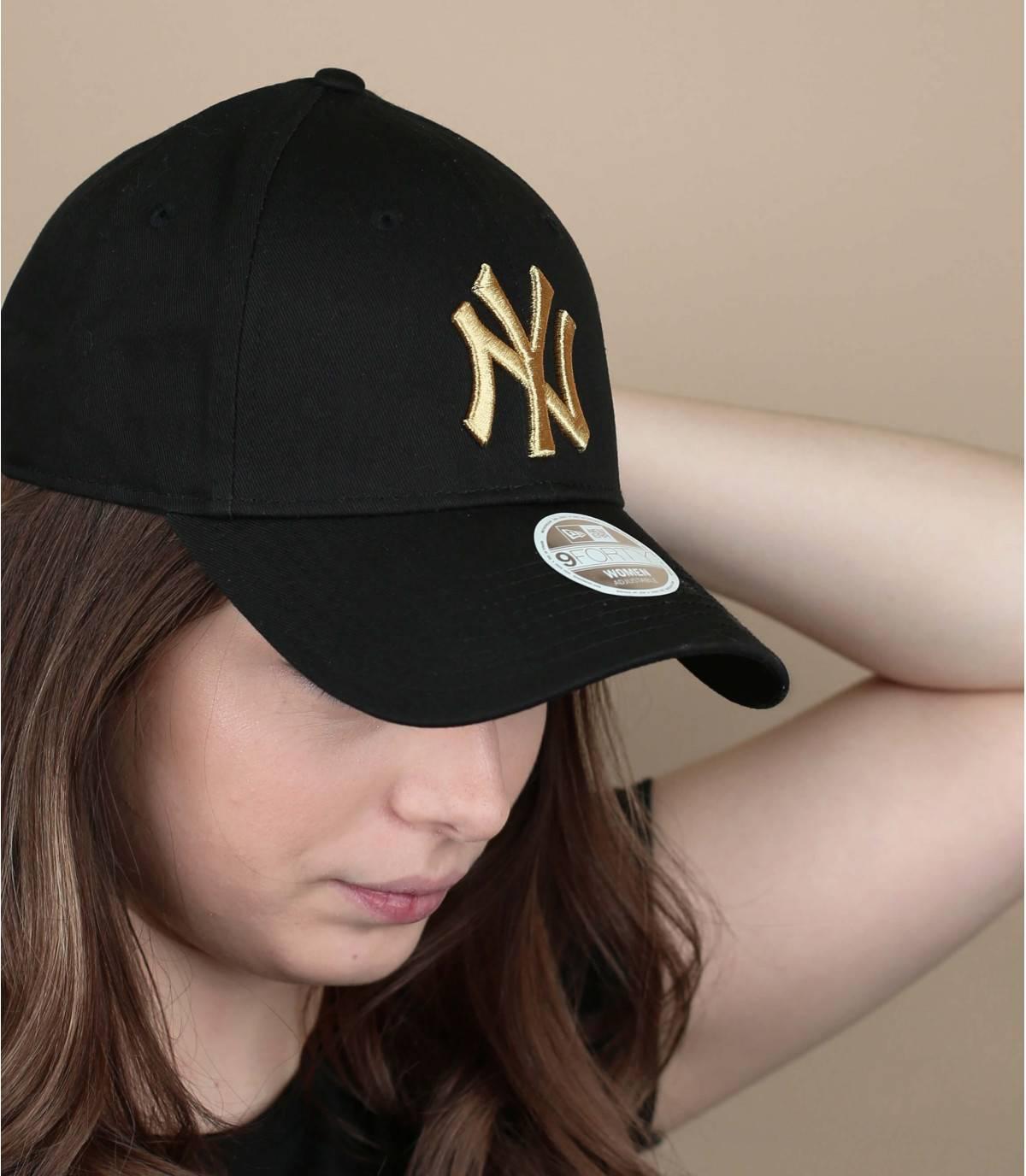gorra mujer negro oro