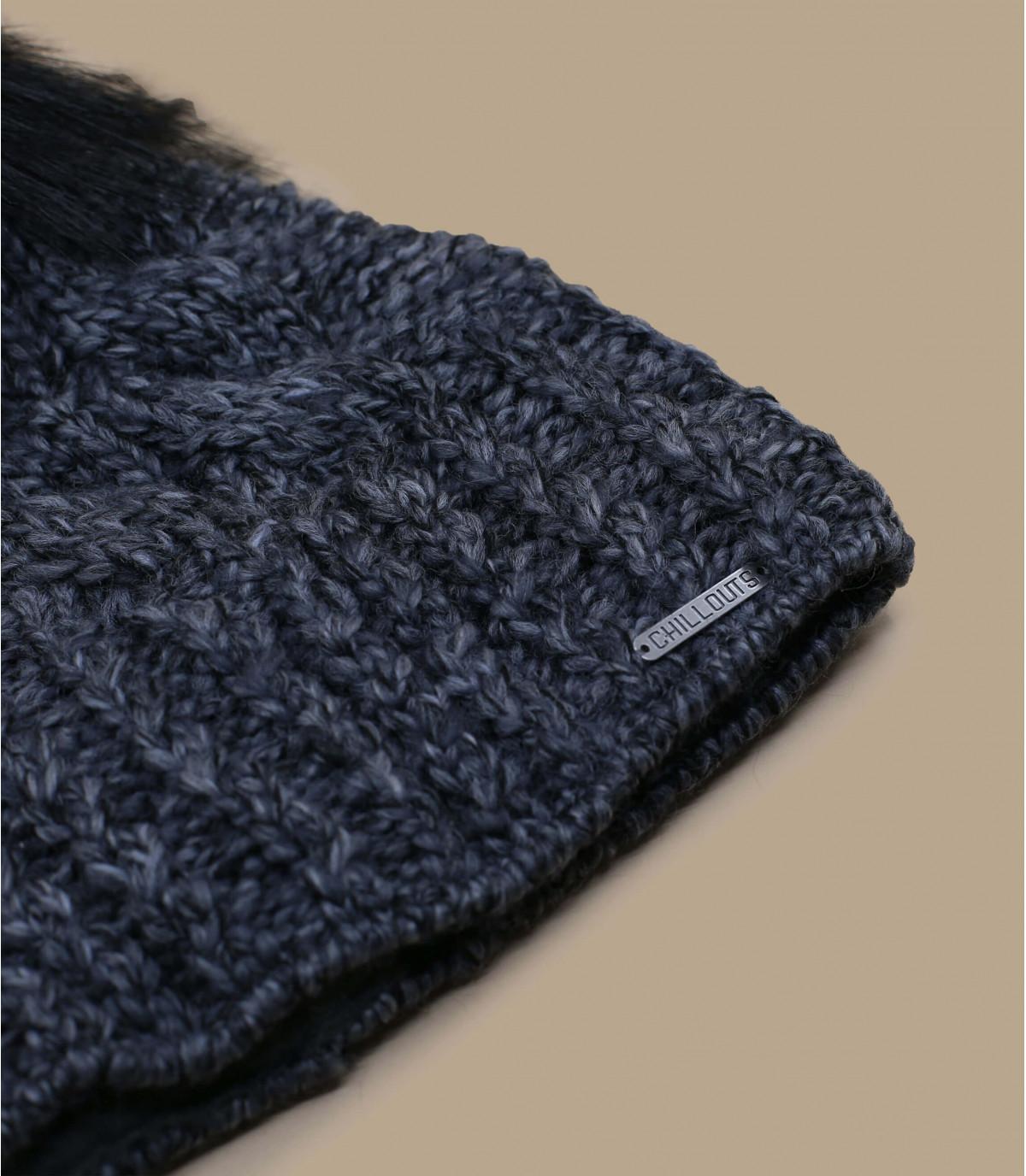 lana gris gorro borla
