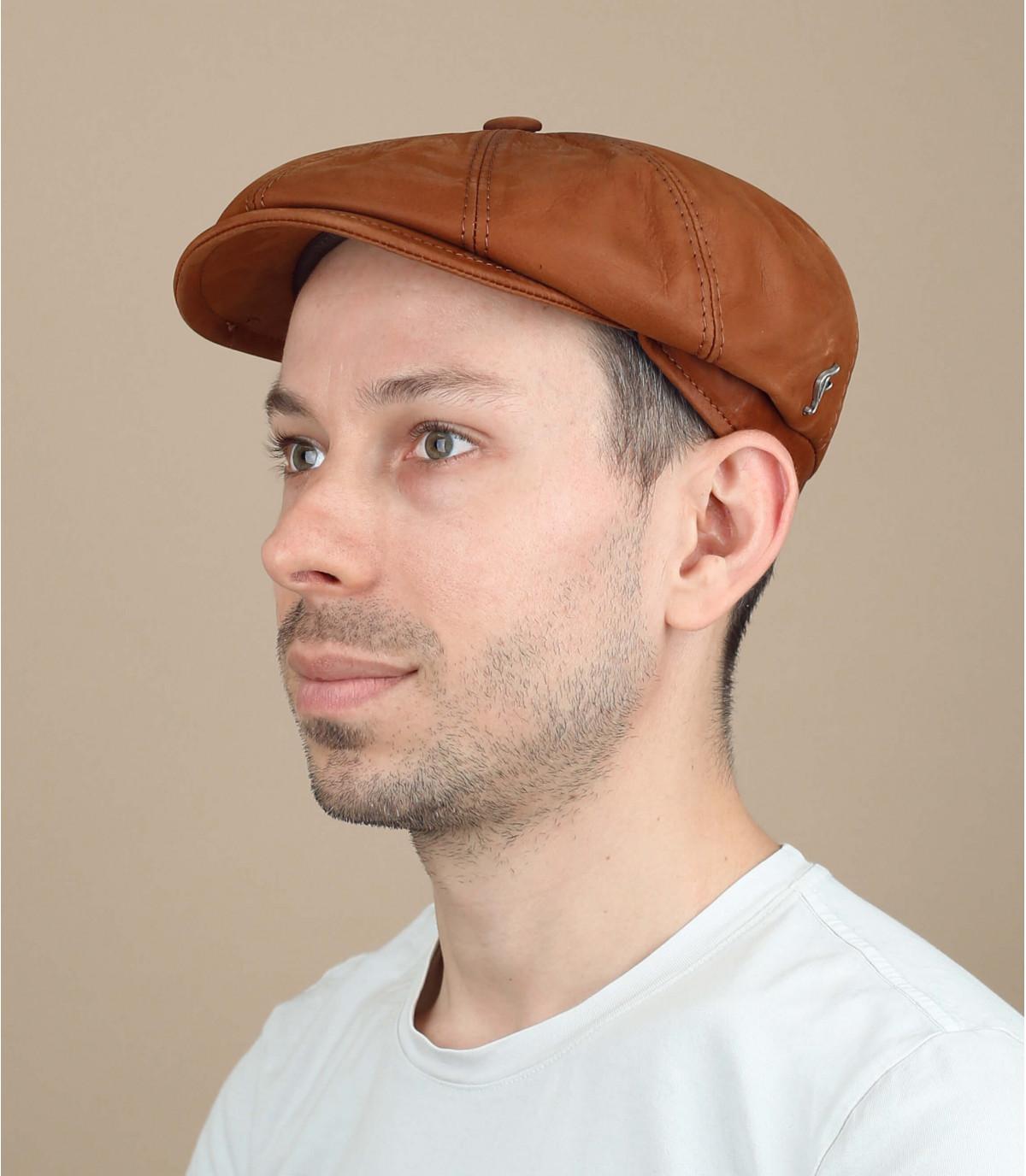 gorra repartidor cuero marrón
