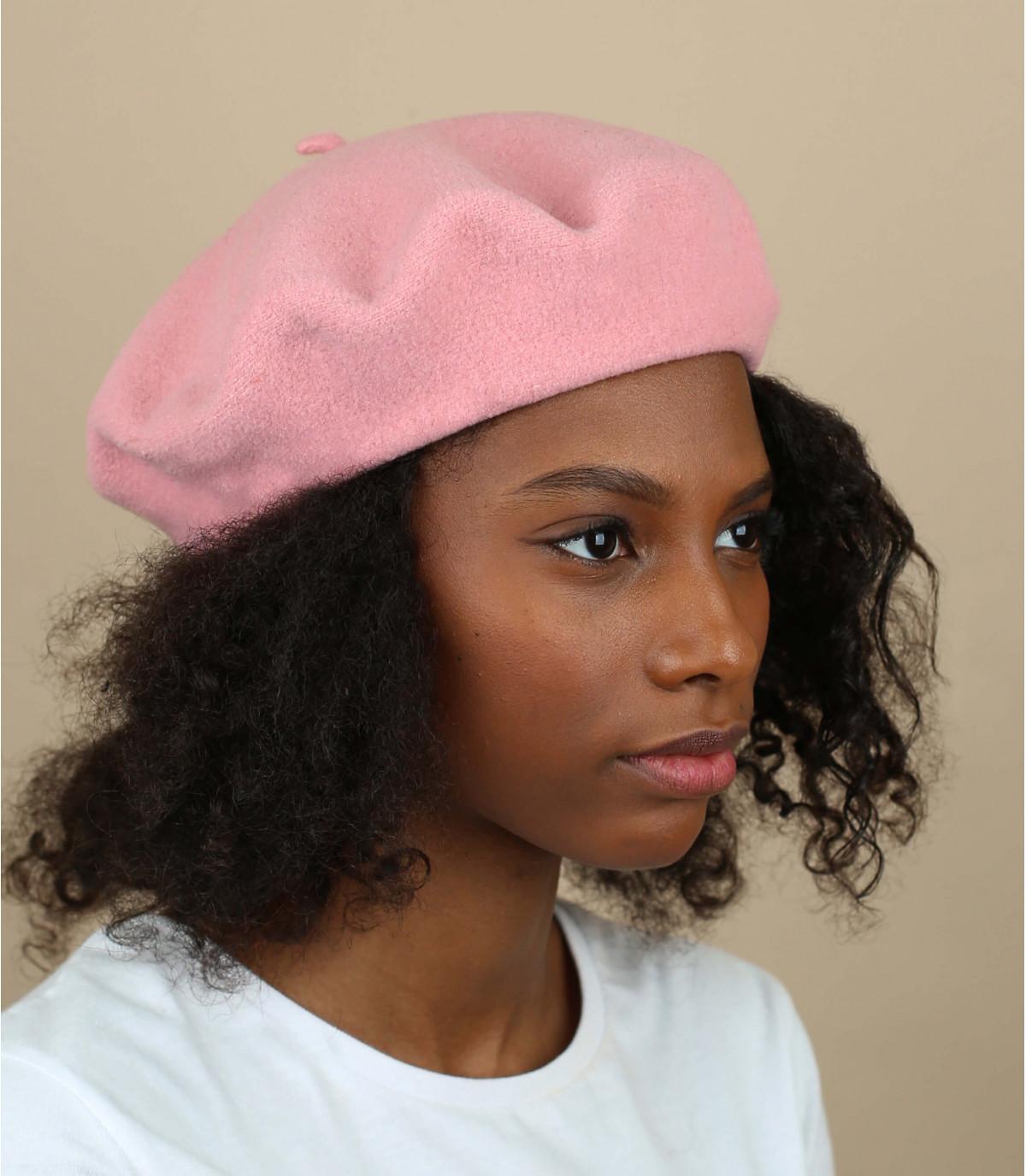 Luz boina de lana de color rosa