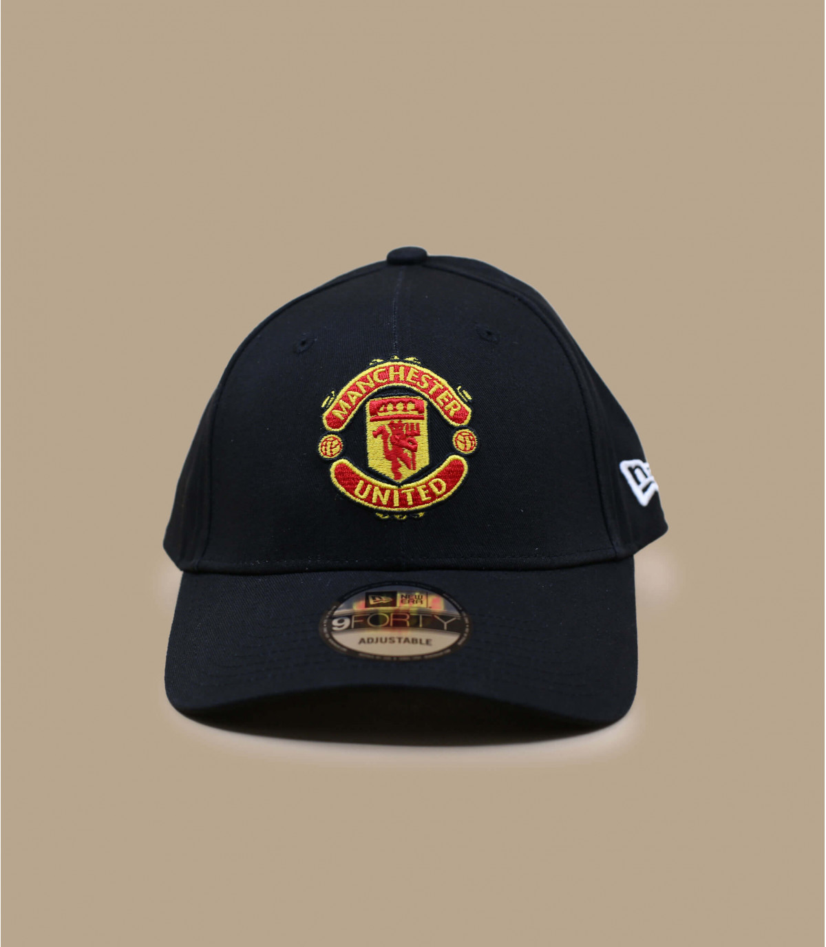 Manchester casquillo negro curvado
