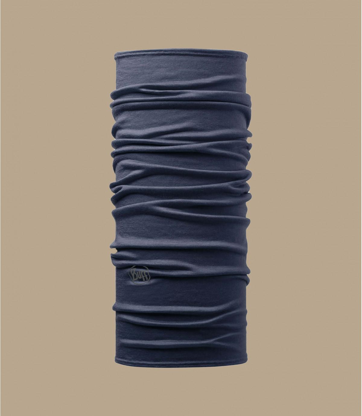 denim azul alrededor del cuello de merino