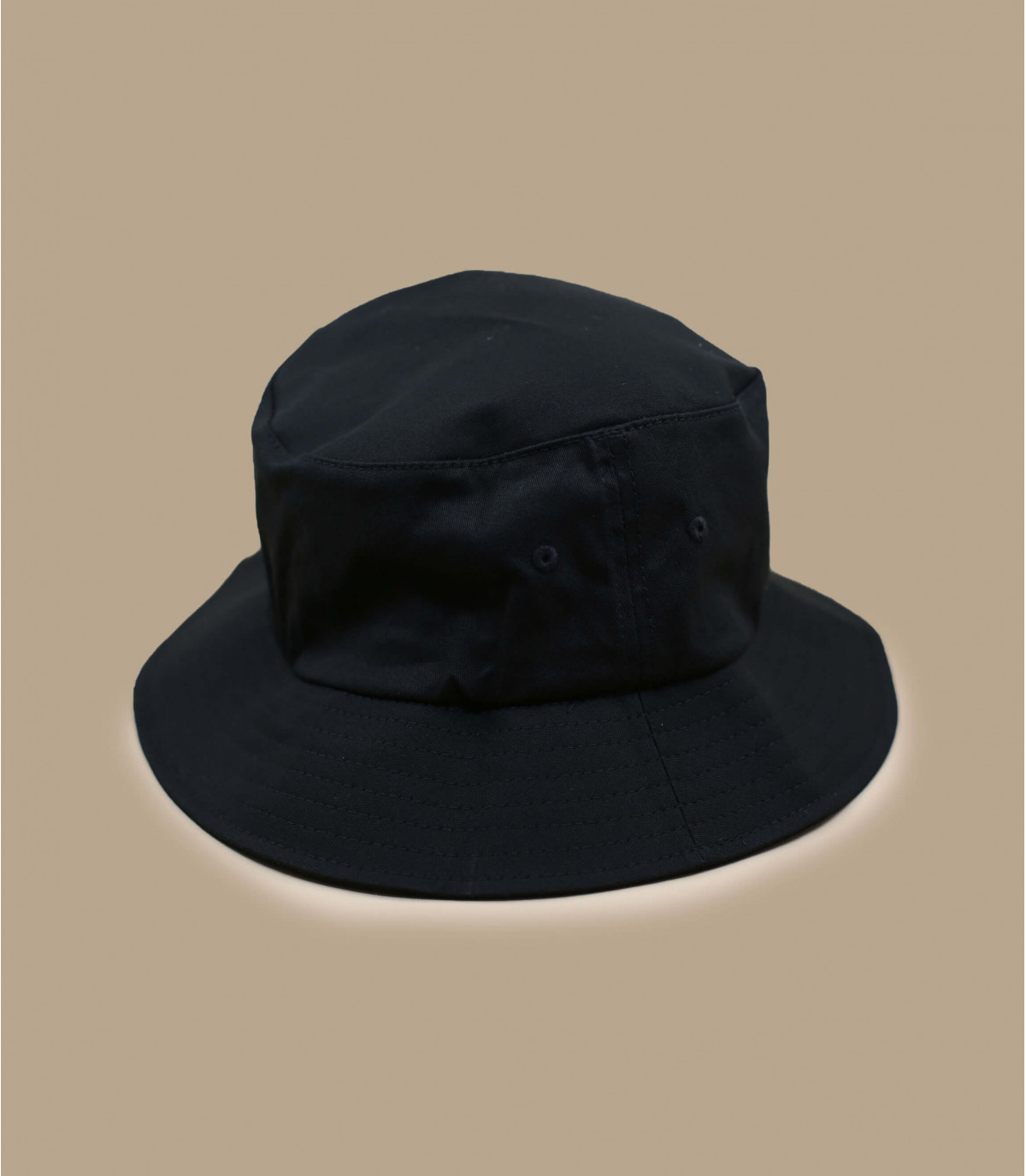 Bucker black