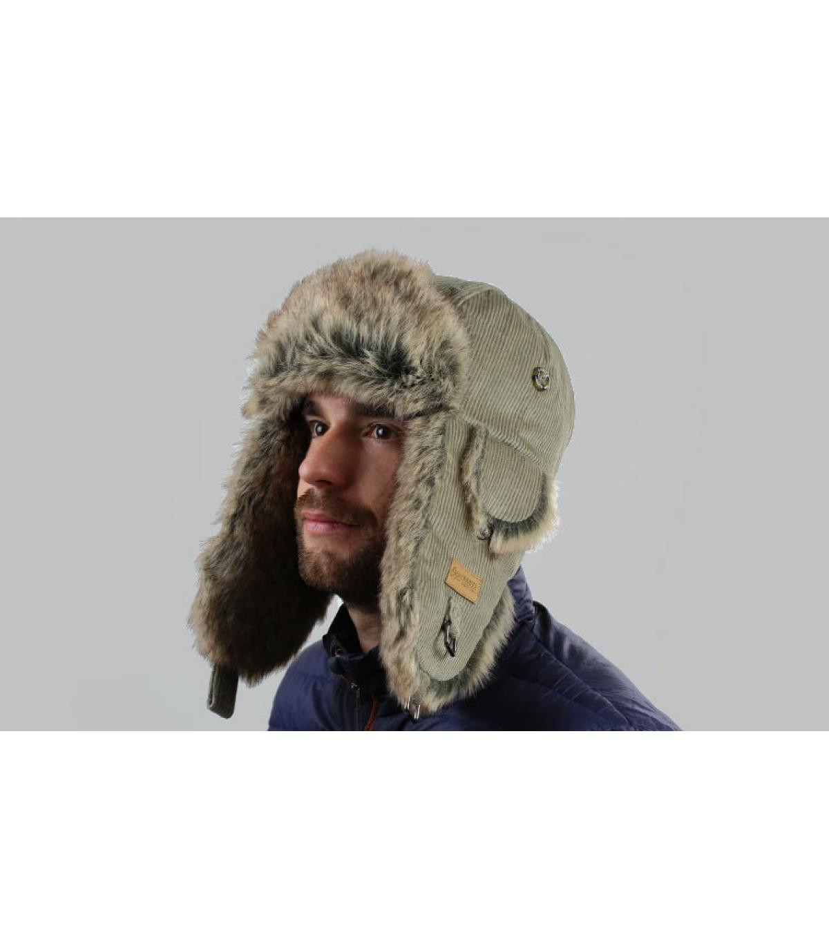 Gorro ruso corduroy beige