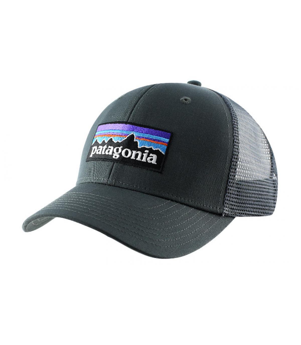 gris gorra con visera curvada - P6 logo trucker hat forge grey de ... 4ed3e3d3eb1