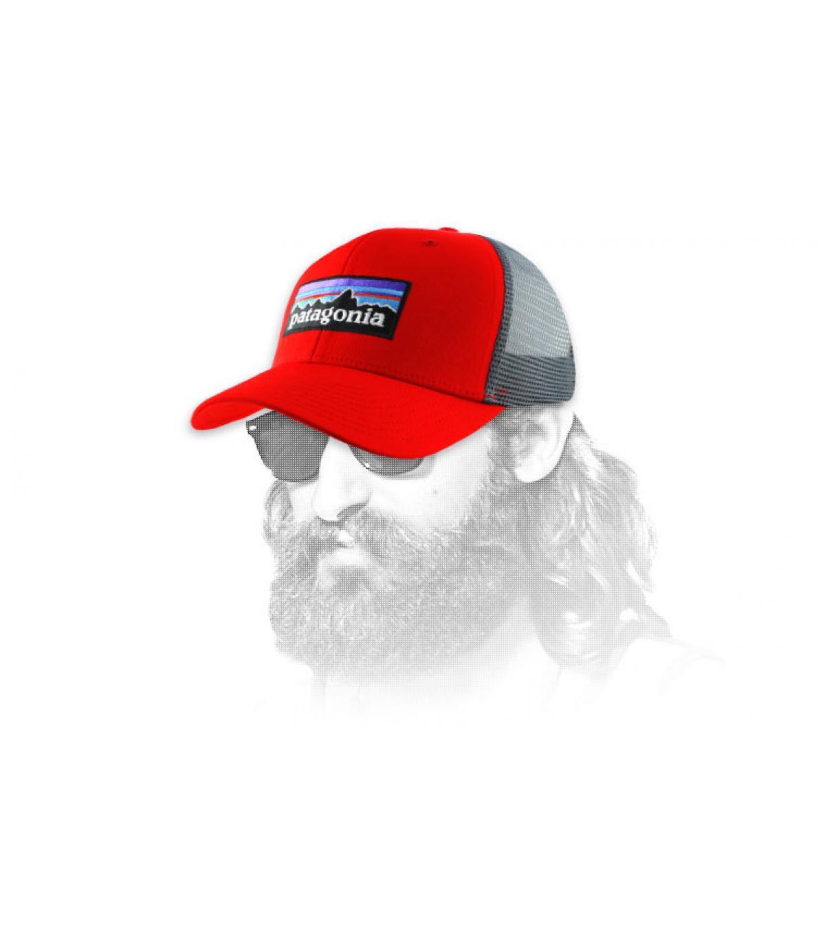 gorra con viseracurvaroja