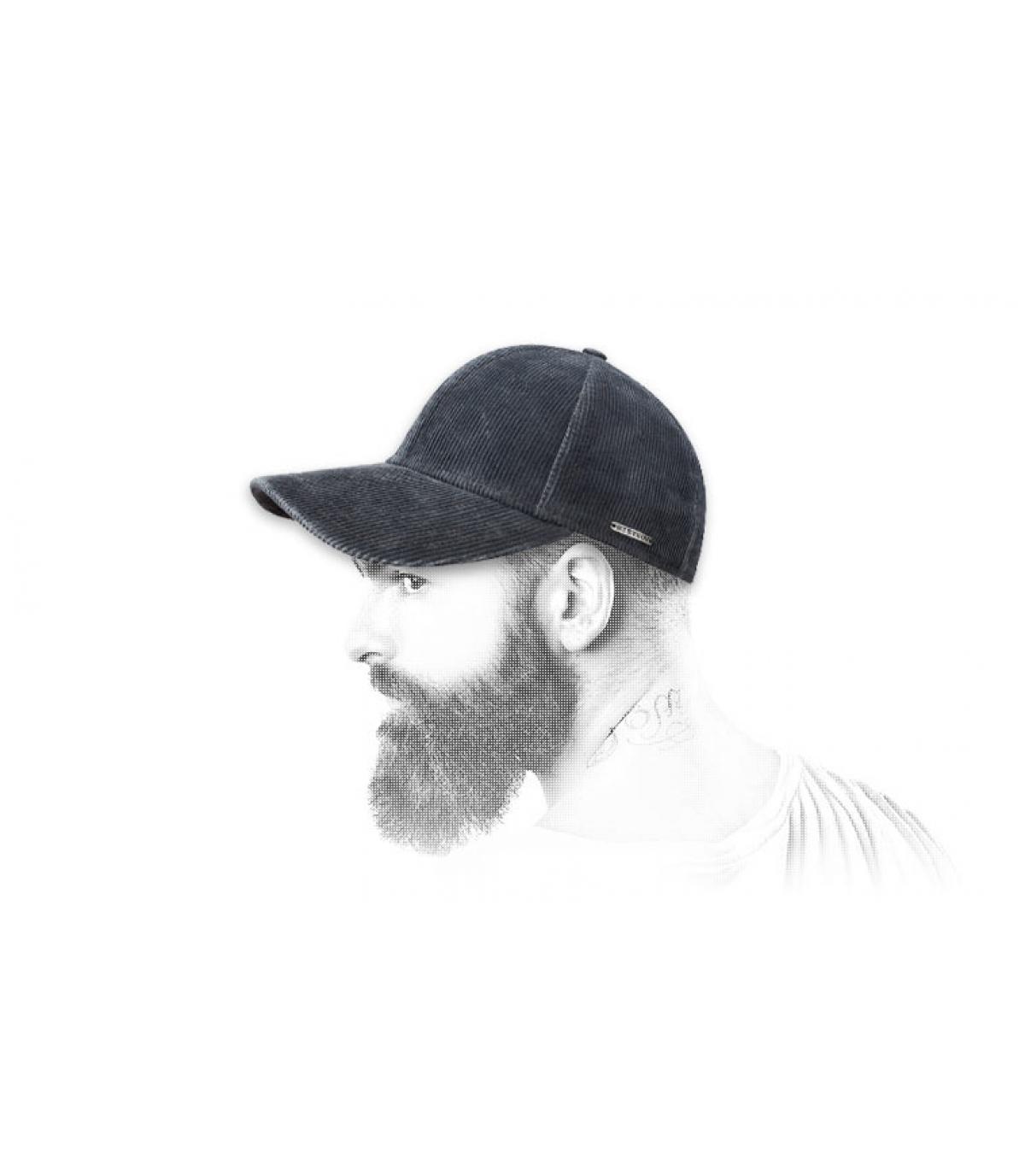 gorra de béisbol azul de terciopelo