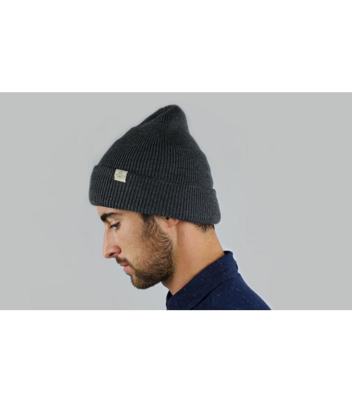 gris largo capó