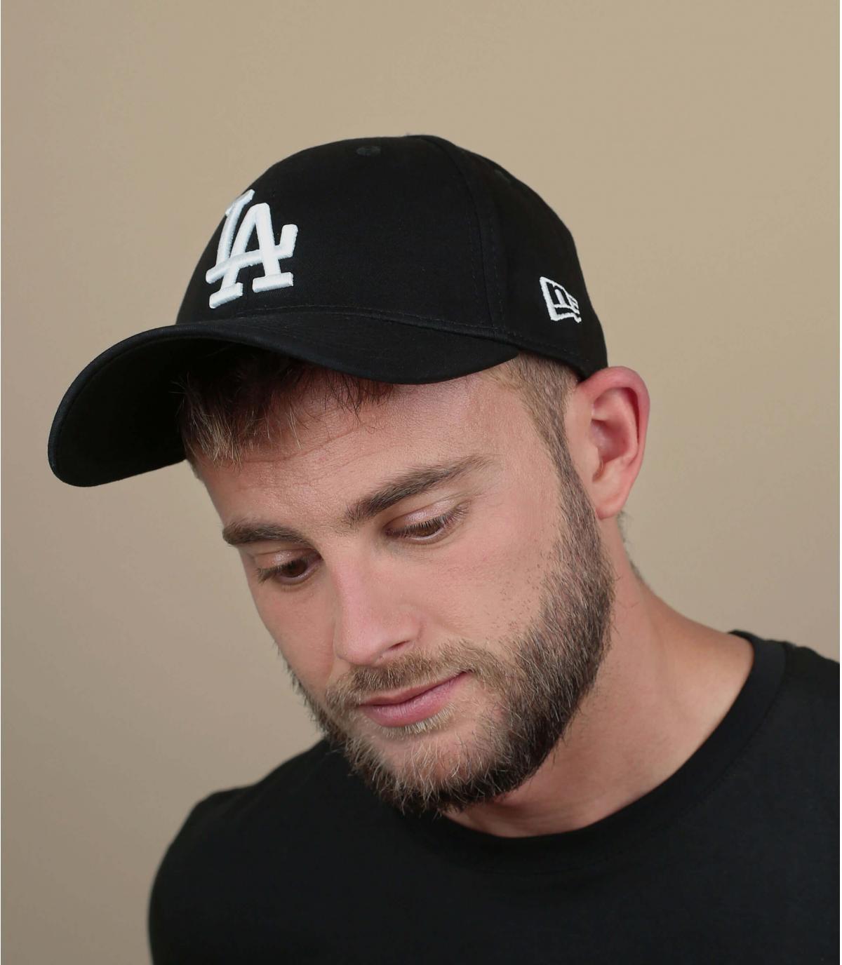 LA gorra con visera curvada negro